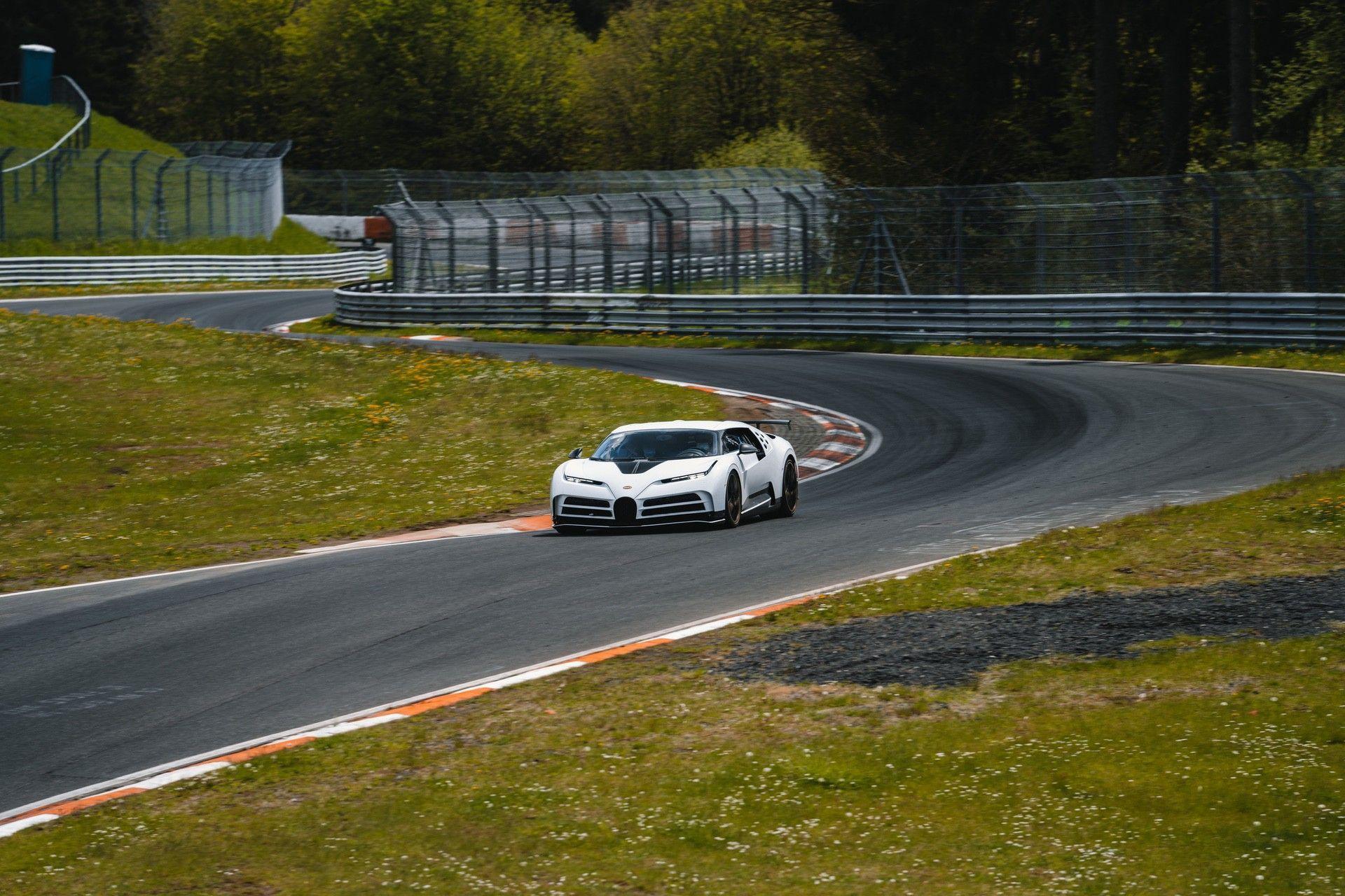 13_bugatti-lineup_nbr_centodieci