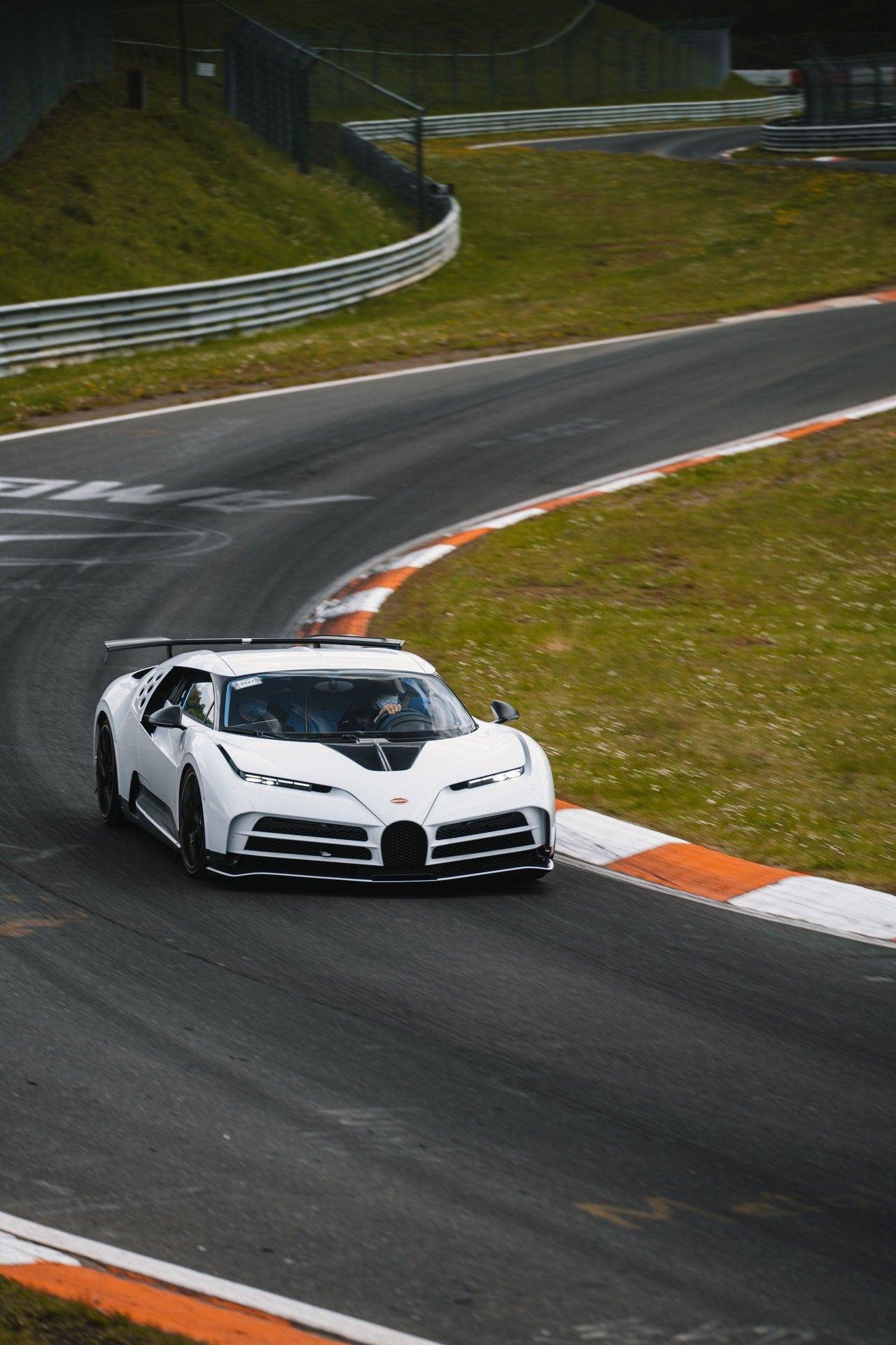 14_bugatti-lineup_nbr_centodieci