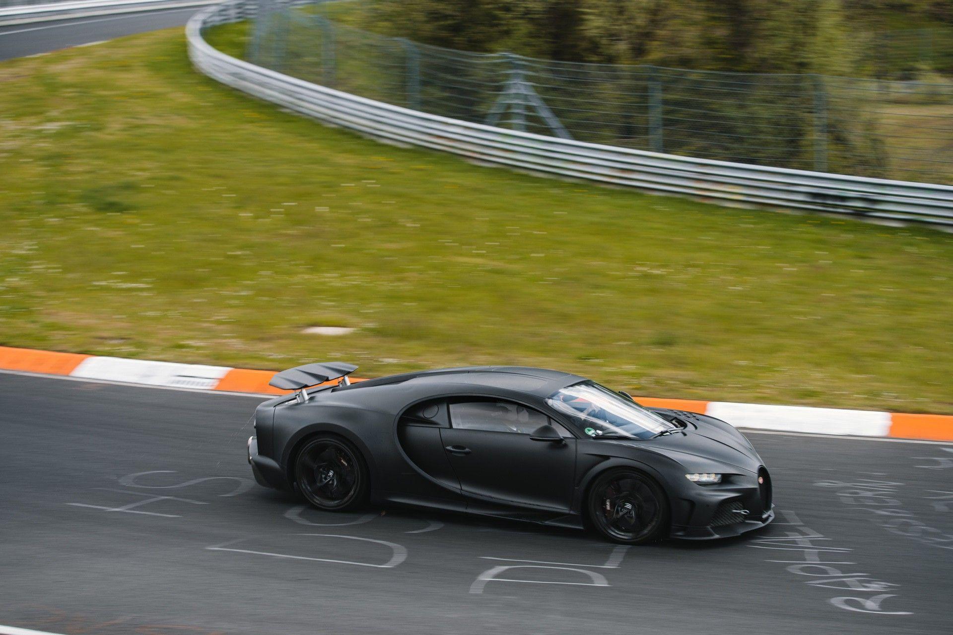20_bugatti-lineup_nbr_300-