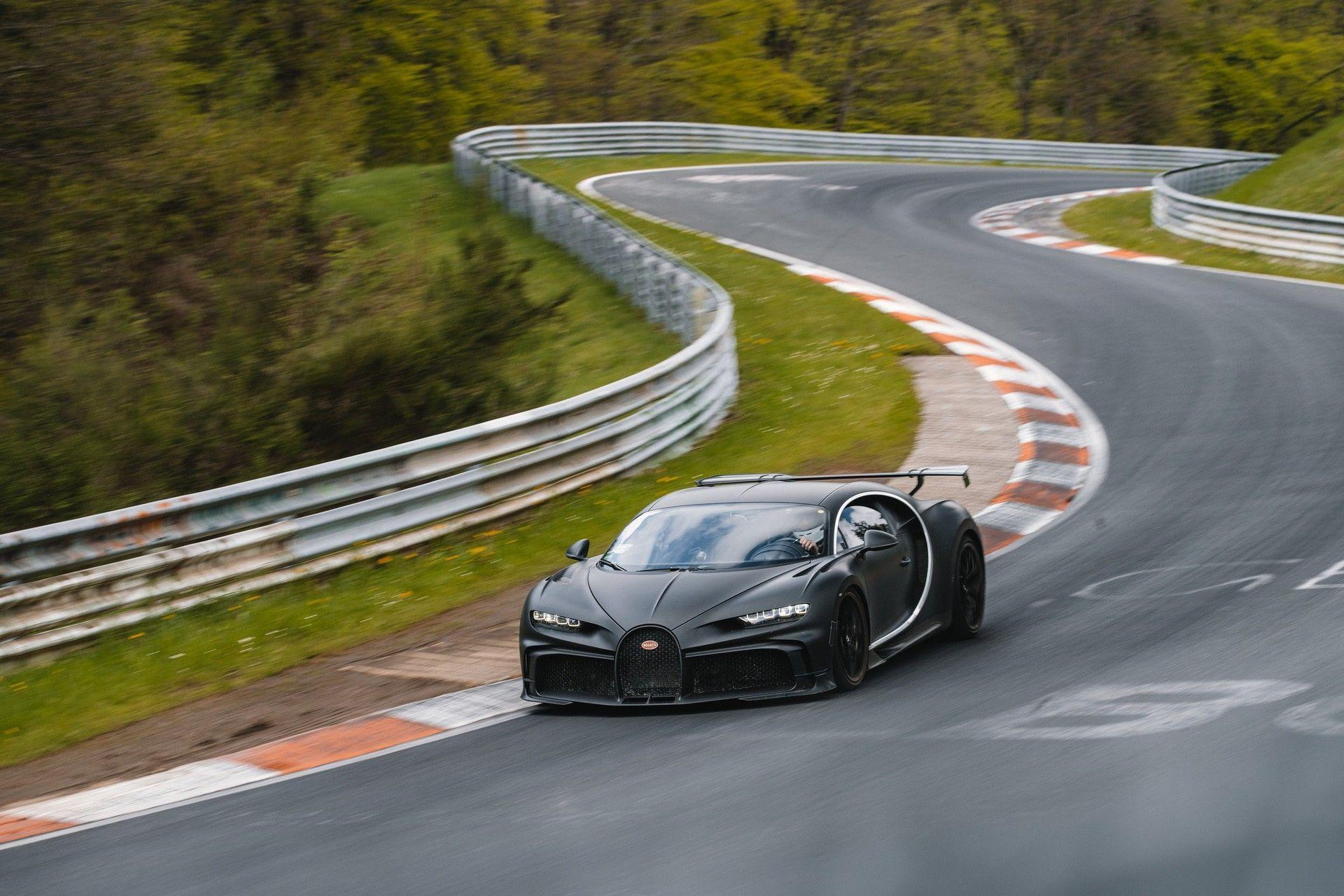 22_bugatti-lineup_nbr_pur-sport