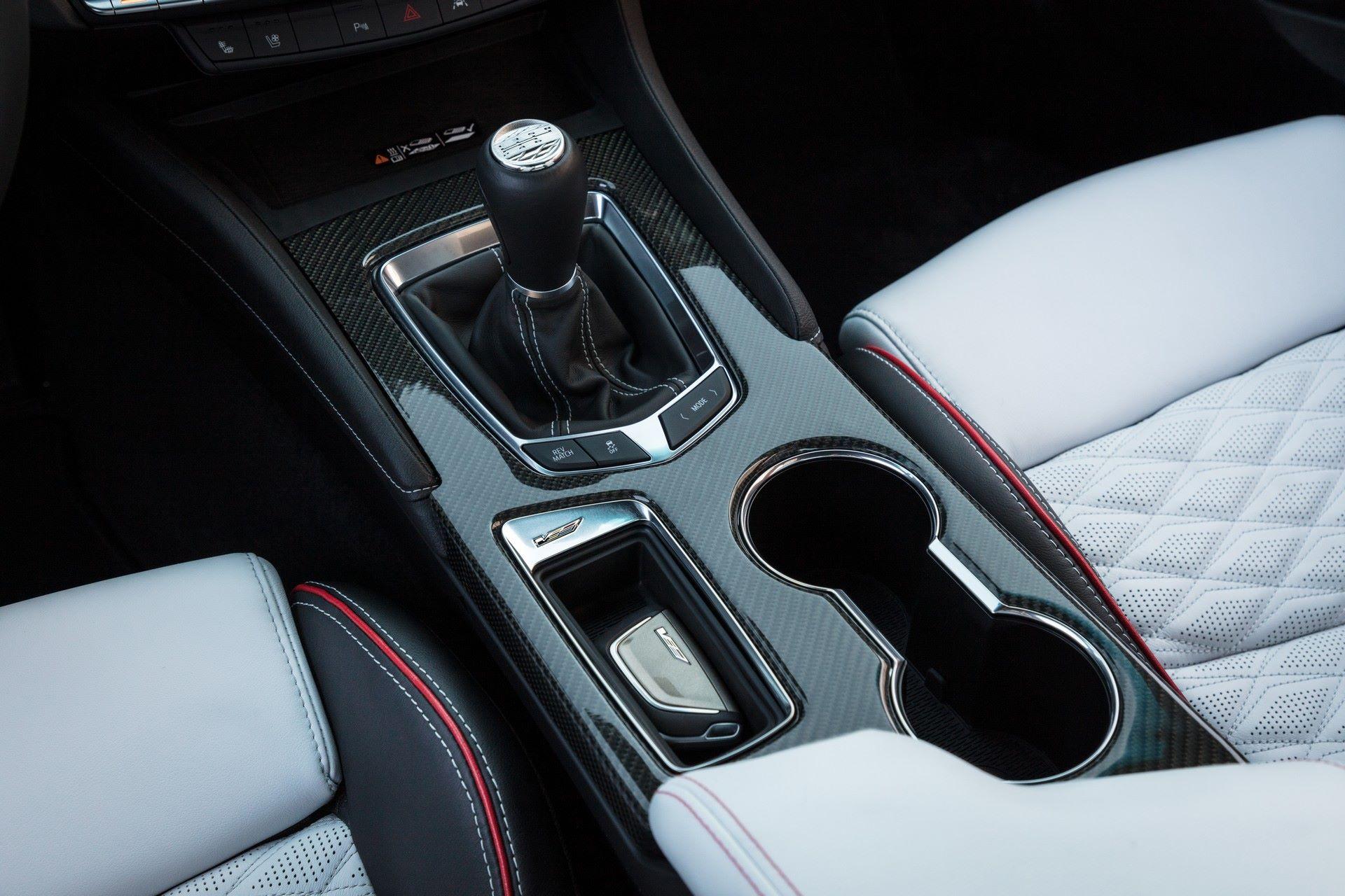 2022-Cadillac-CT4-V-Blackwing-12