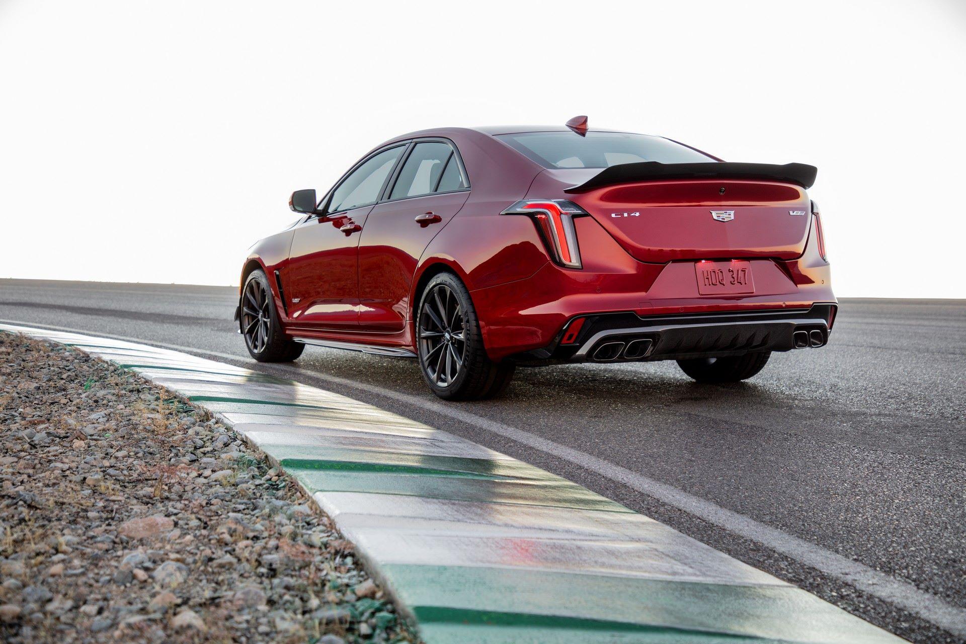 2022-Cadillac-CT4-V-Blackwing-8