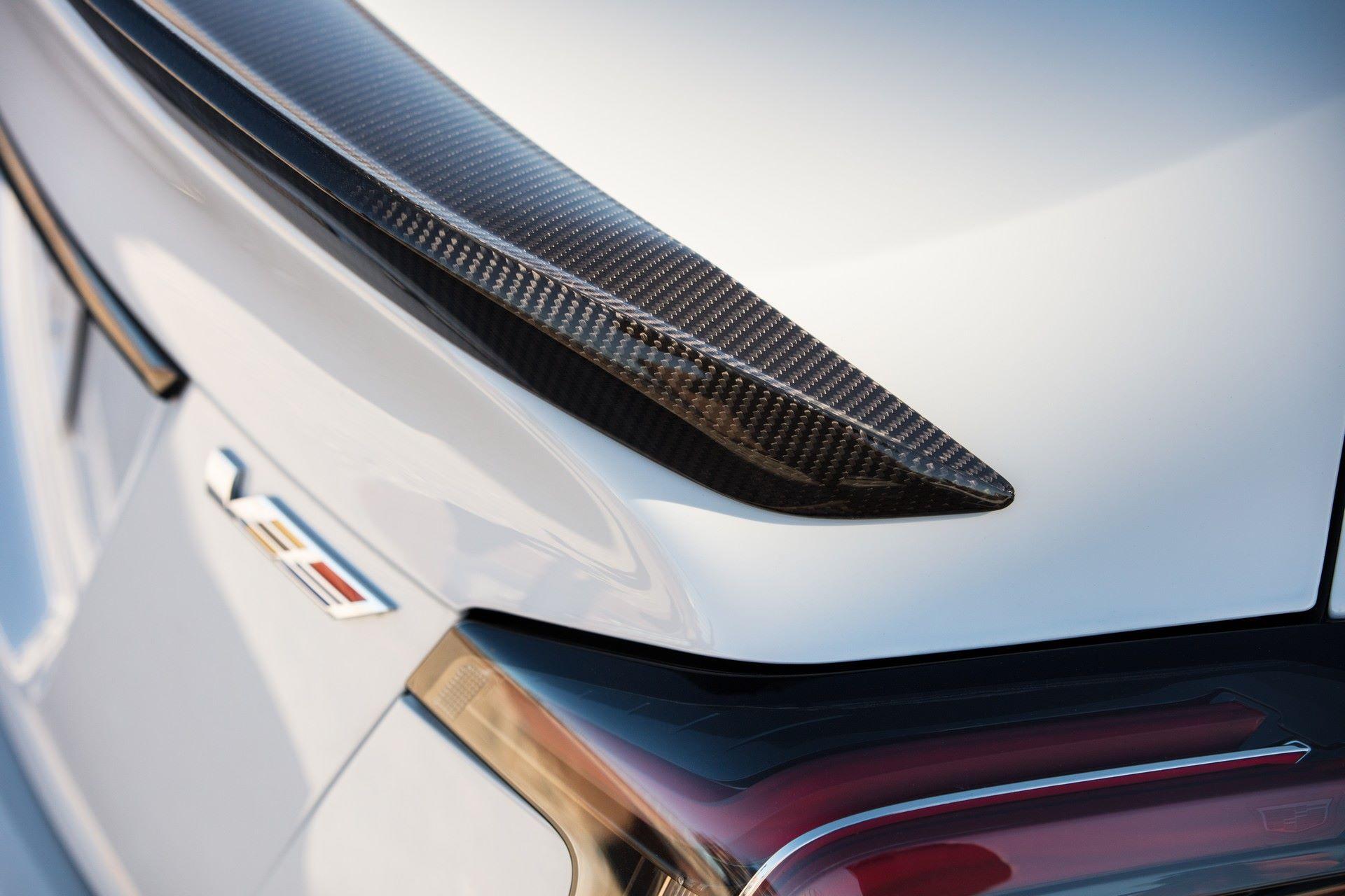 2022-Cadillac-CT5-V-Blackwing-10