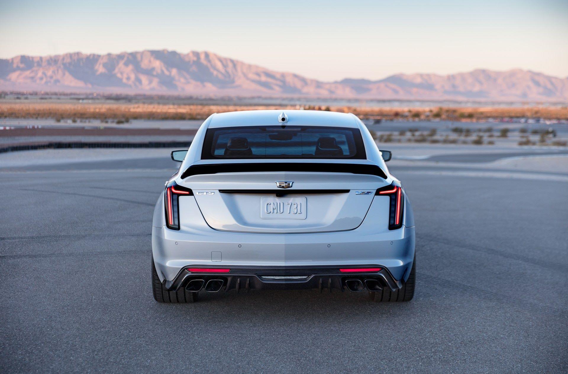 2022-Cadillac-CT5-V-Blackwing-4