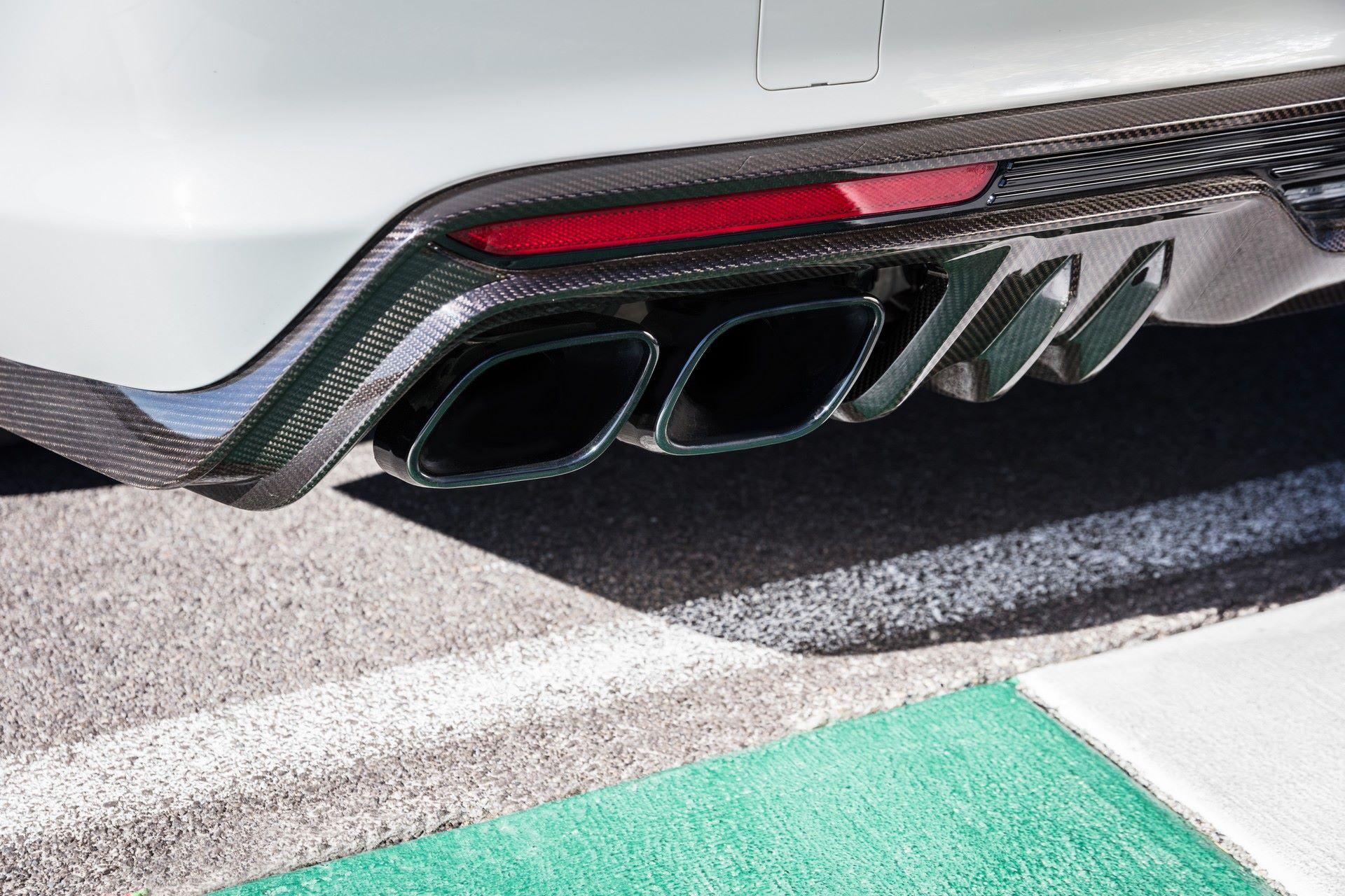 2022-Cadillac-CT5-V-Blackwing-6