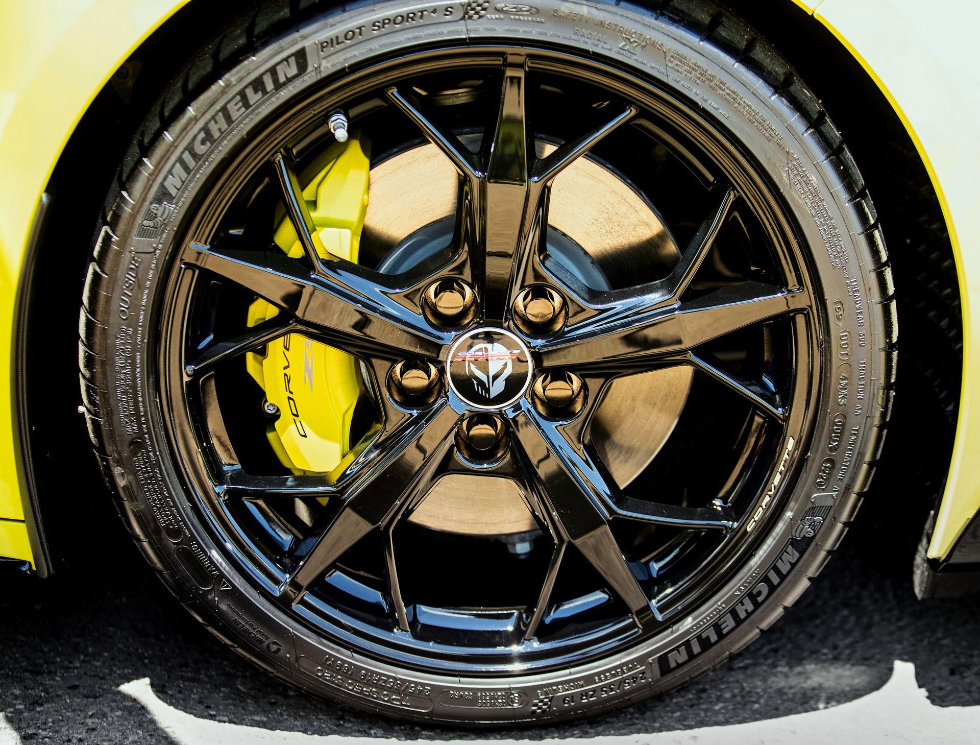 Chevrolet-Corvette-IMSA-GTLM-Championship-Edition-5