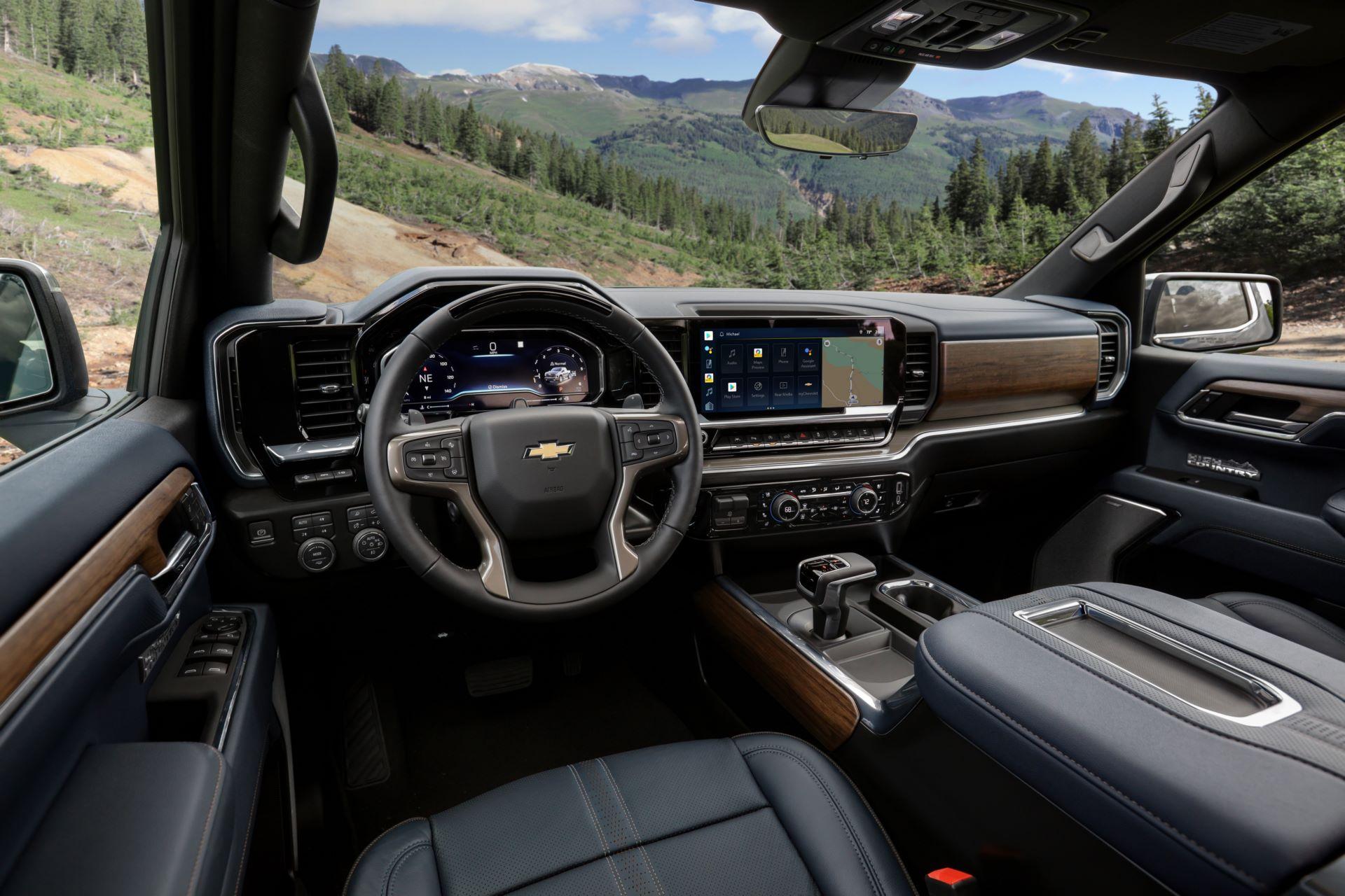 2022-Chevrolet-Silverado-HighCountry-015