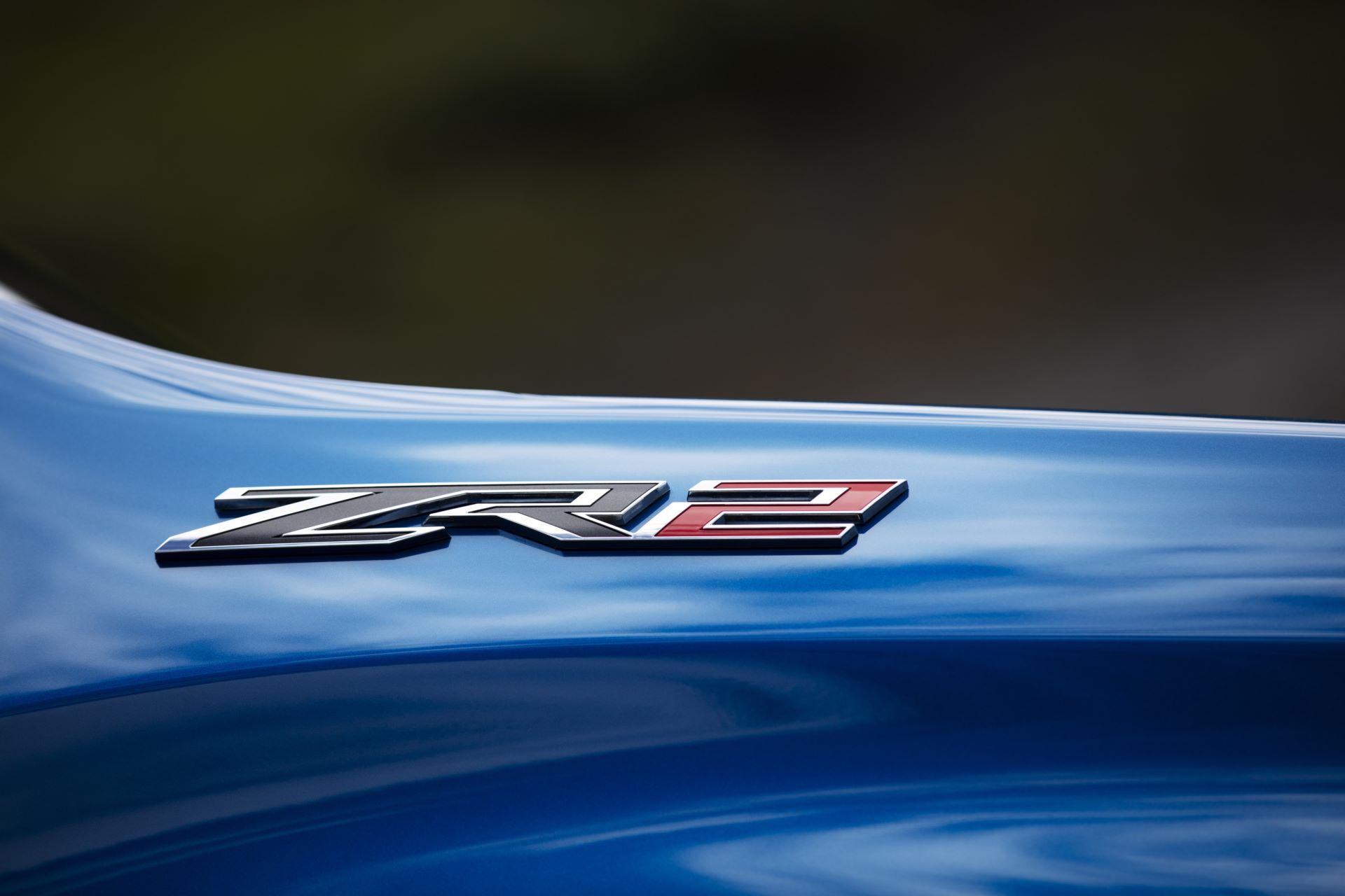 2022-Chevrolet-Silverado-ZR2-010