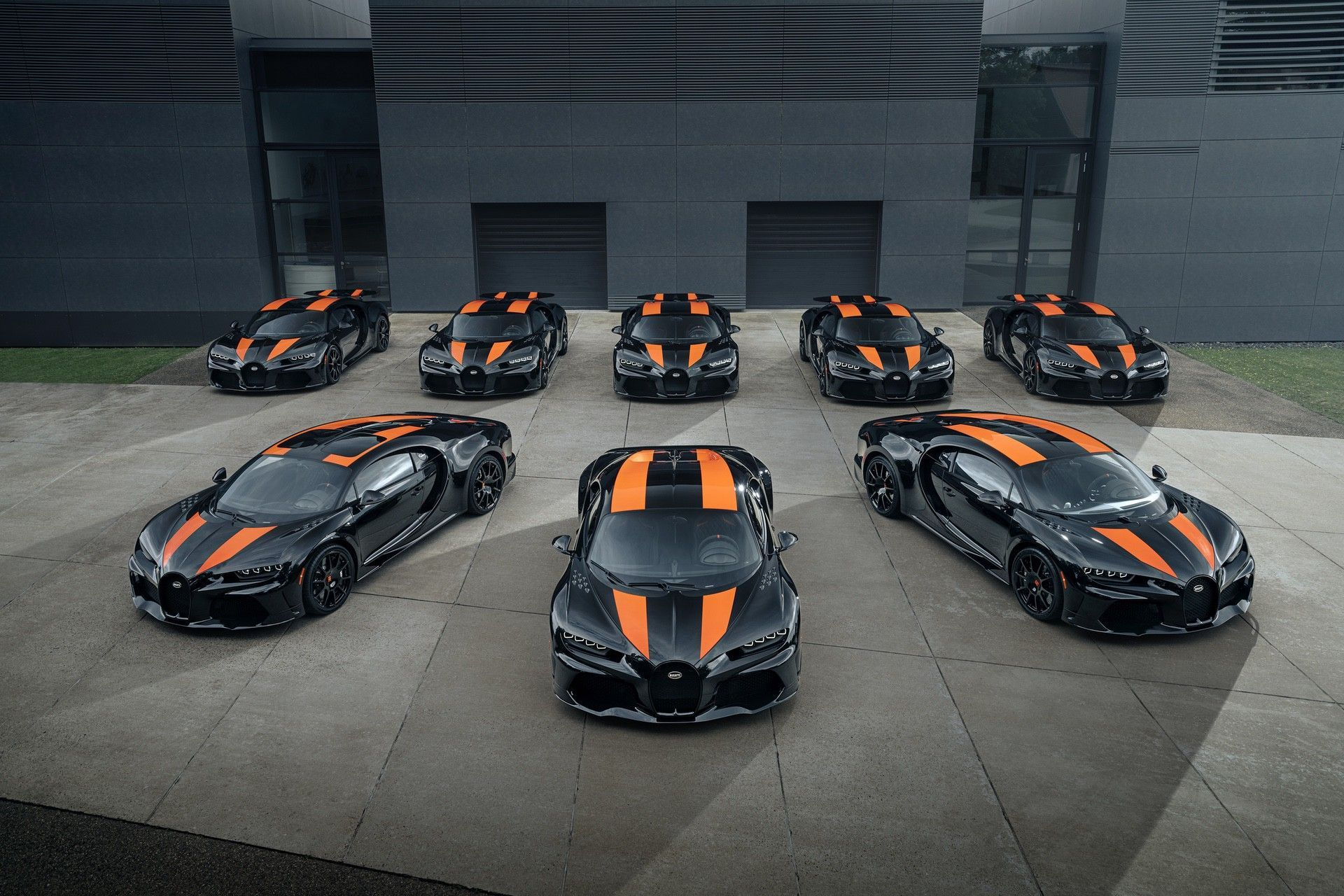 Bugatti_Chiron-Super_Sport_300_customers-0001