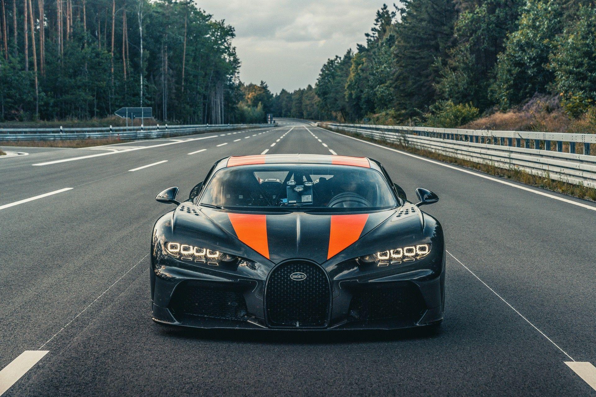 Bugatti_Chiron-Super_Sport_300_customers-0004