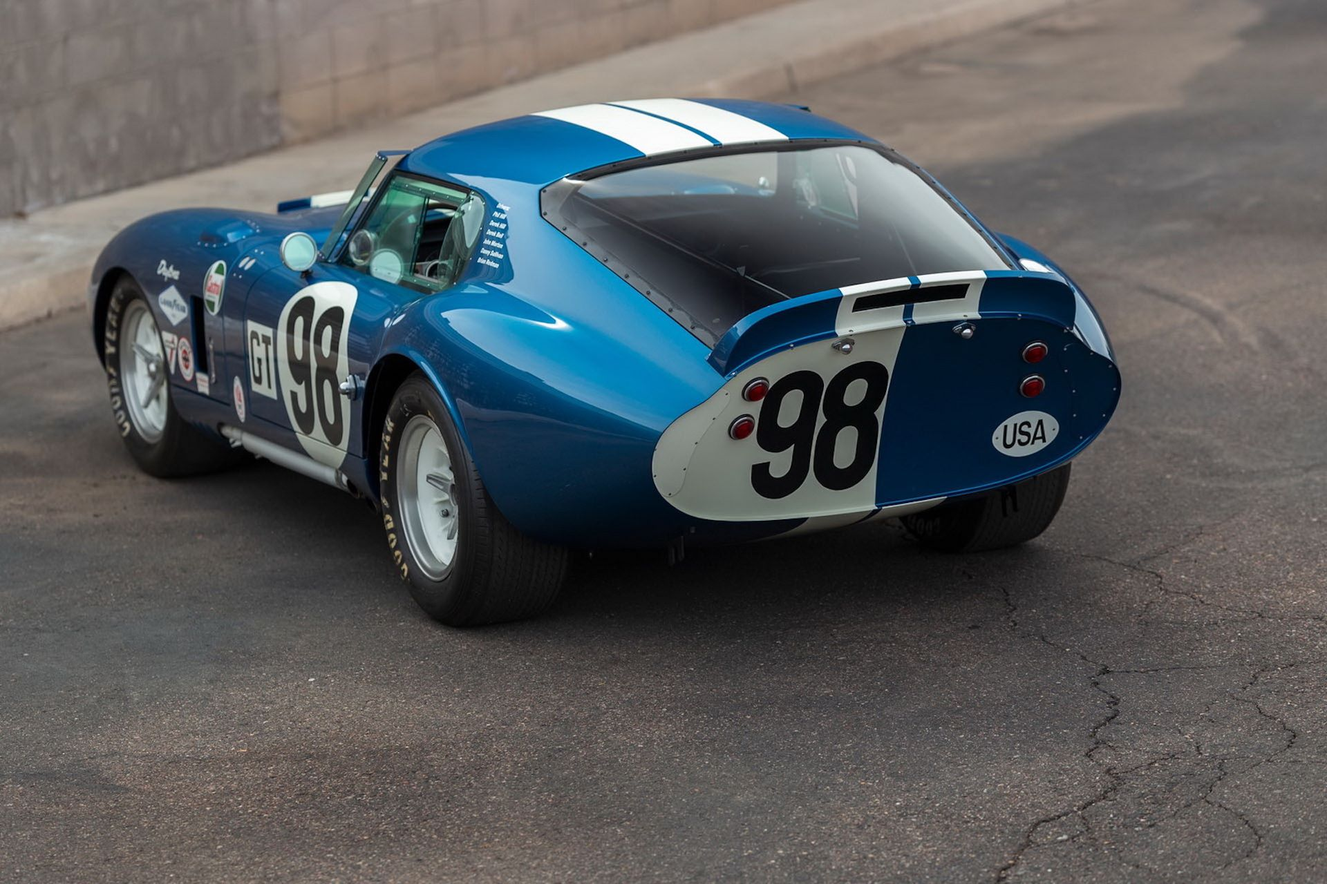 Daytona-Cobra-Carroll-Shelby-auction-AC-Cobra-1