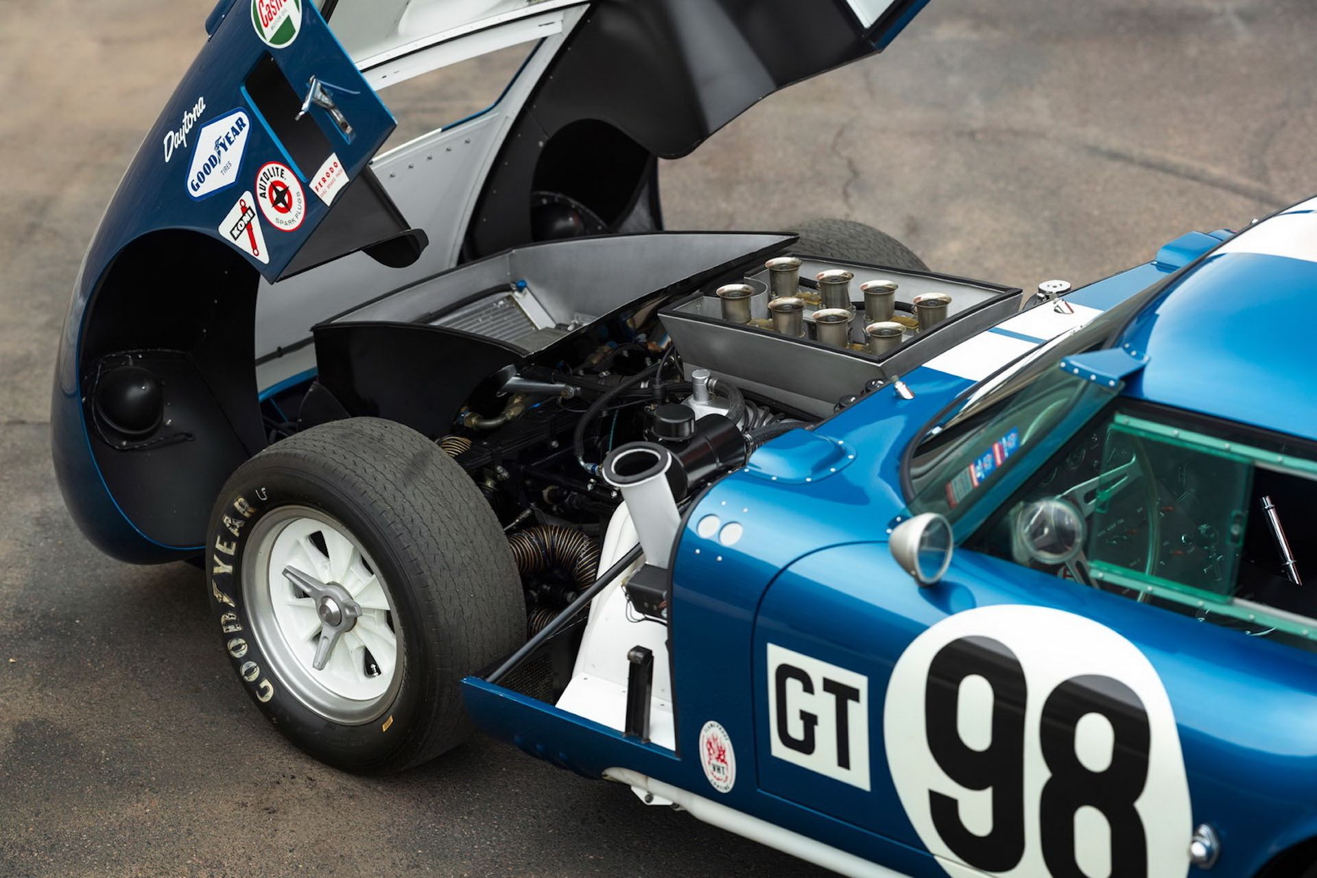 Daytona-Cobra-Carroll-Shelby-auction-AC-Cobra-15