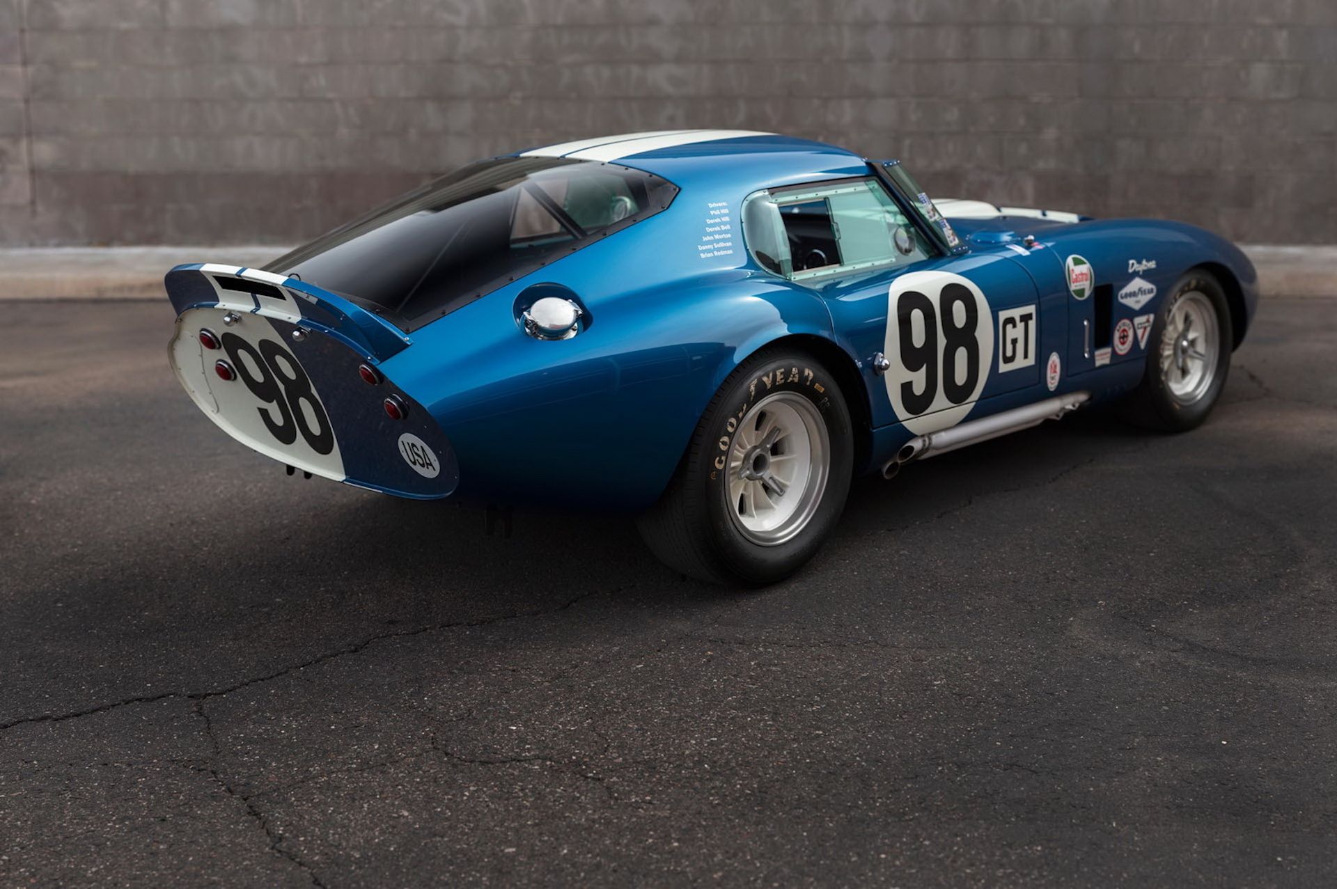 Daytona-Cobra-Carroll-Shelby-auction-AC-Cobra-18