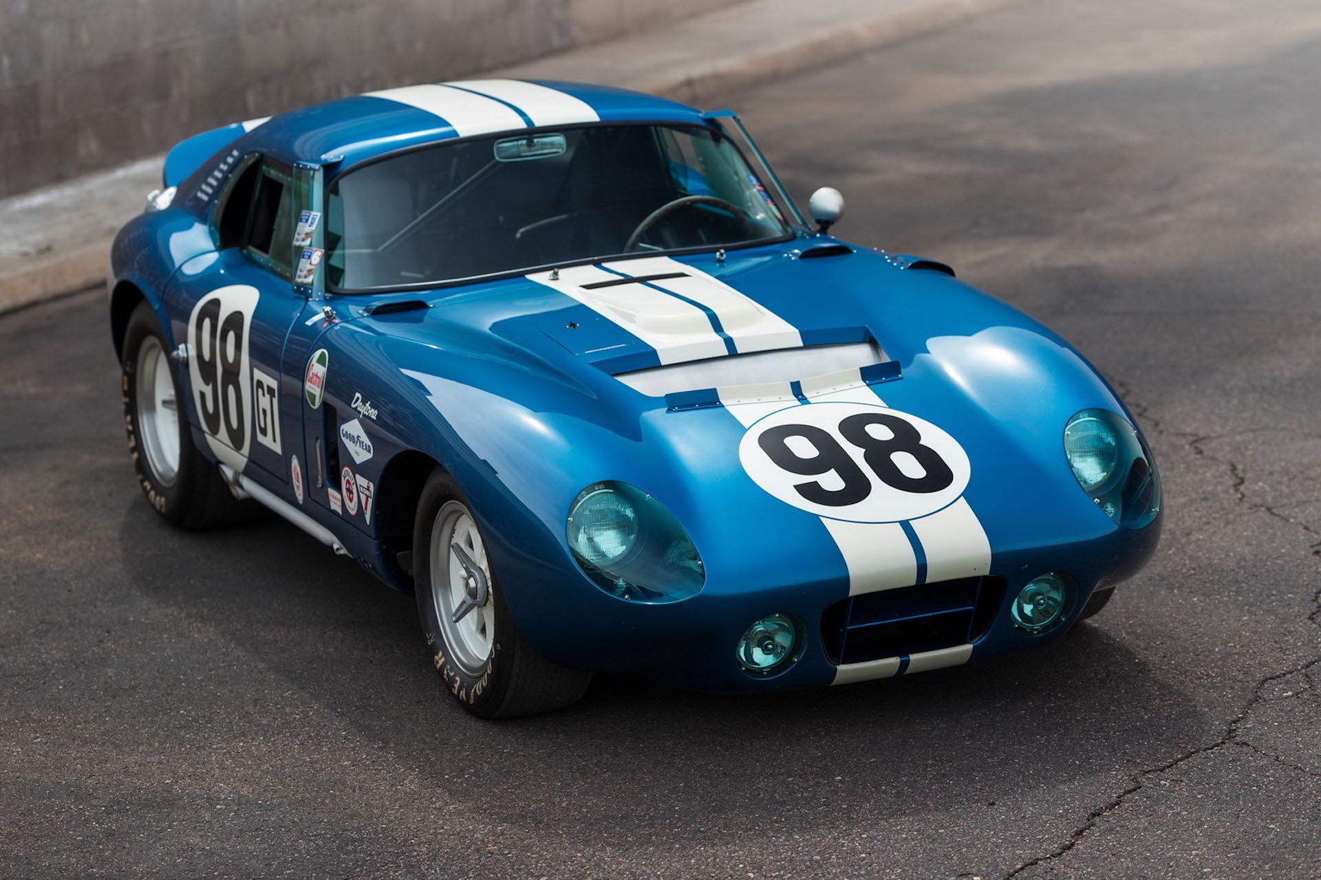 Daytona-Cobra-Carroll-Shelby-auction-AC-Cobra-19