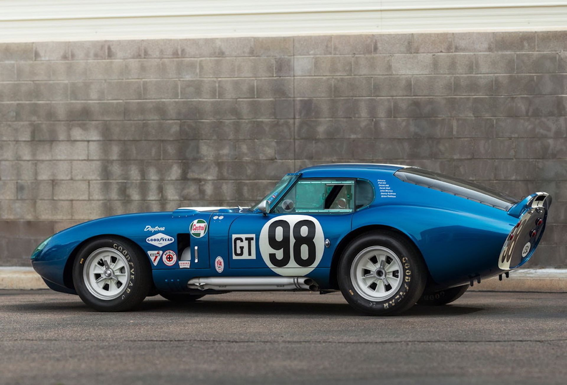 Daytona-Cobra-Carroll-Shelby-auction-AC-Cobra-22