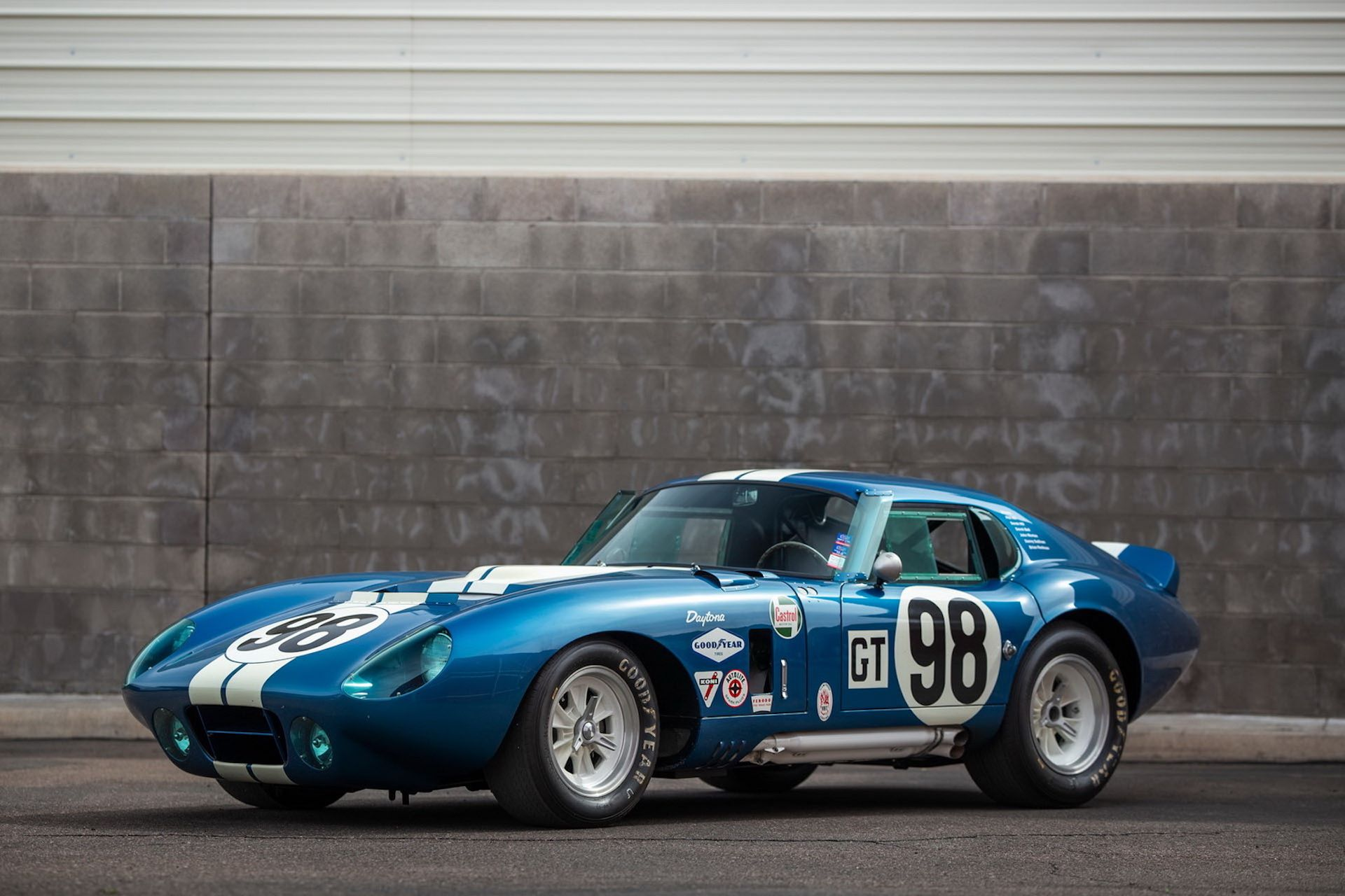Daytona-Cobra-Carroll-Shelby-auction-AC-Cobra-23