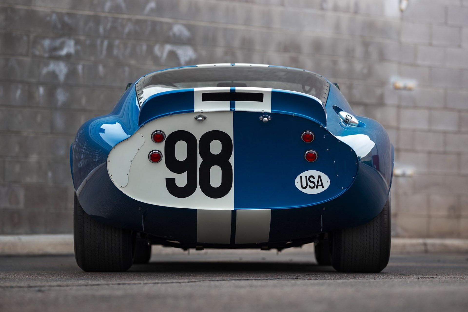Daytona-Cobra-Carroll-Shelby-auction-AC-Cobra-3