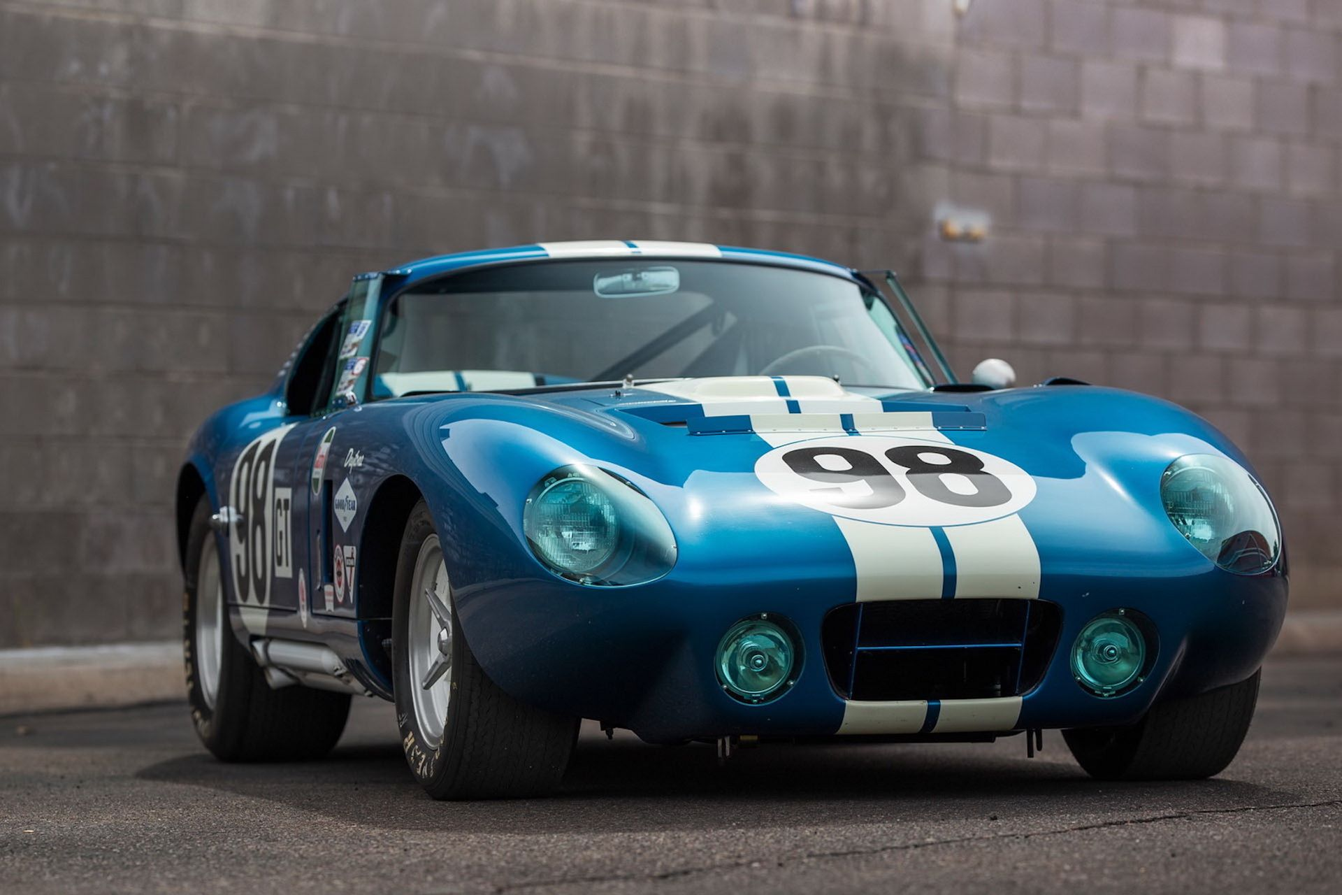 Daytona-Cobra-Carroll-Shelby-auction-AC-Cobra-5