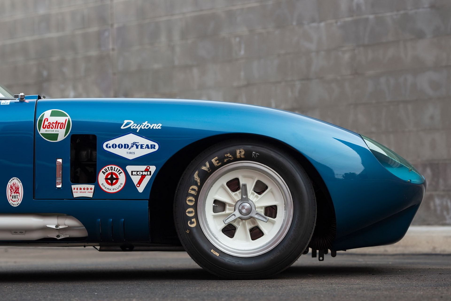 Daytona-Cobra-Carroll-Shelby-auction-AC-Cobra-8