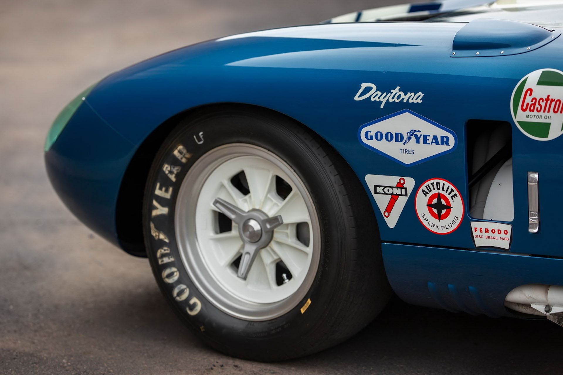 Daytona-Cobra-Carroll-Shelby-auction-AC-Cobra-9