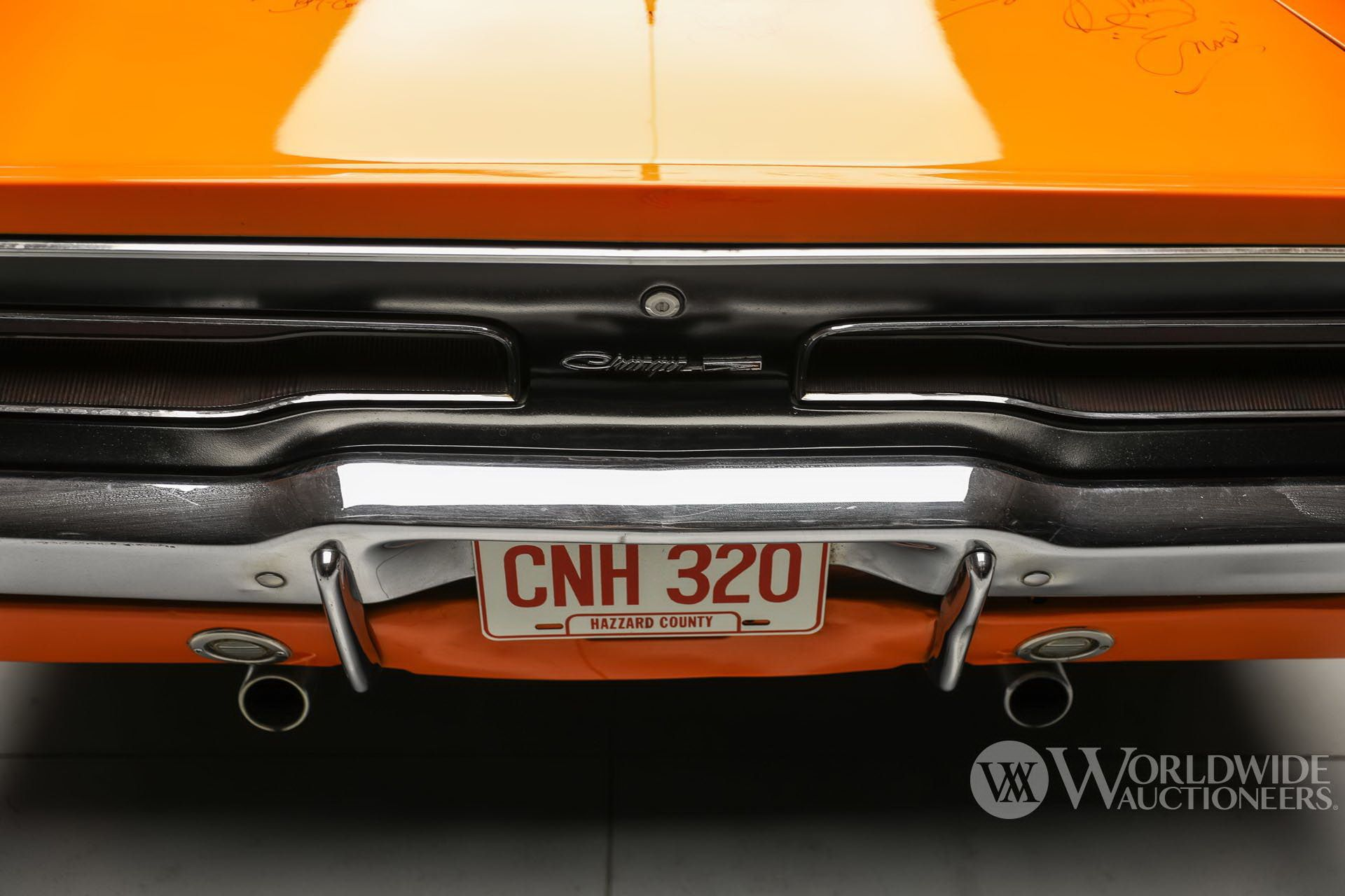 Dodge-Charger-General-Lee-Dukes-Of-Hazzard-auction-14