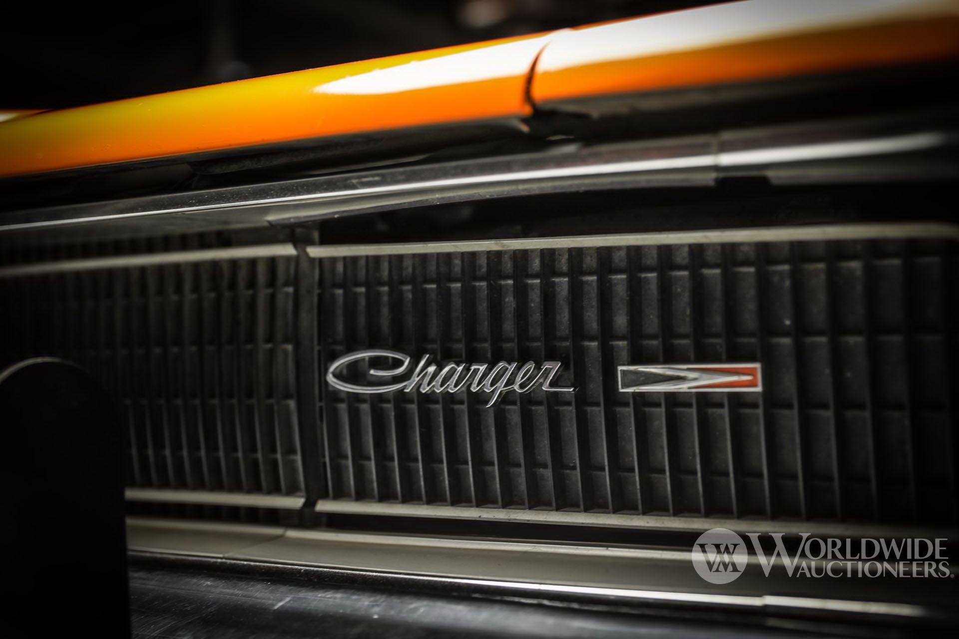 Dodge-Charger-General-Lee-Dukes-Of-Hazzard-auction-16
