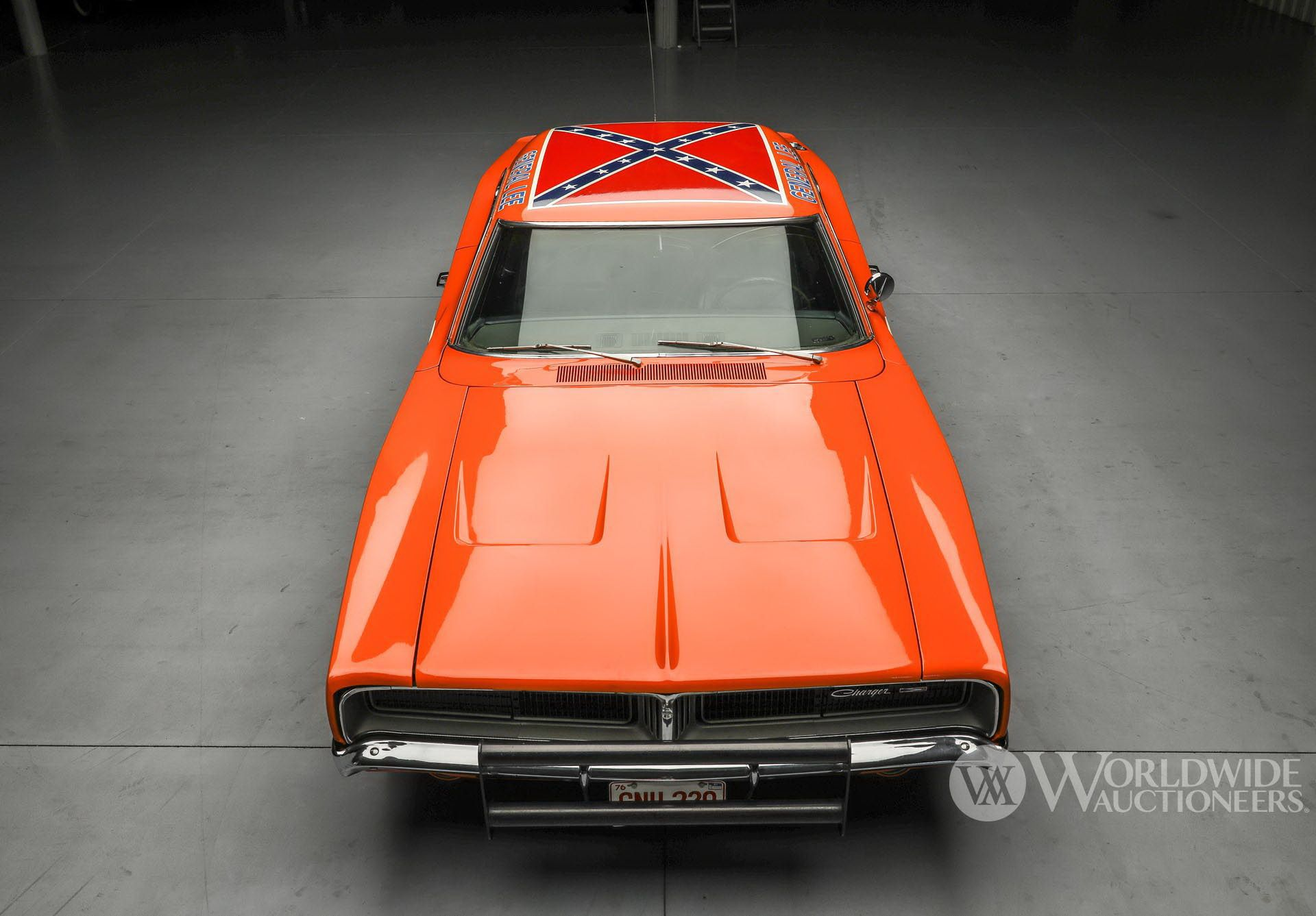 Dodge-Charger-General-Lee-Dukes-Of-Hazzard-auction-9