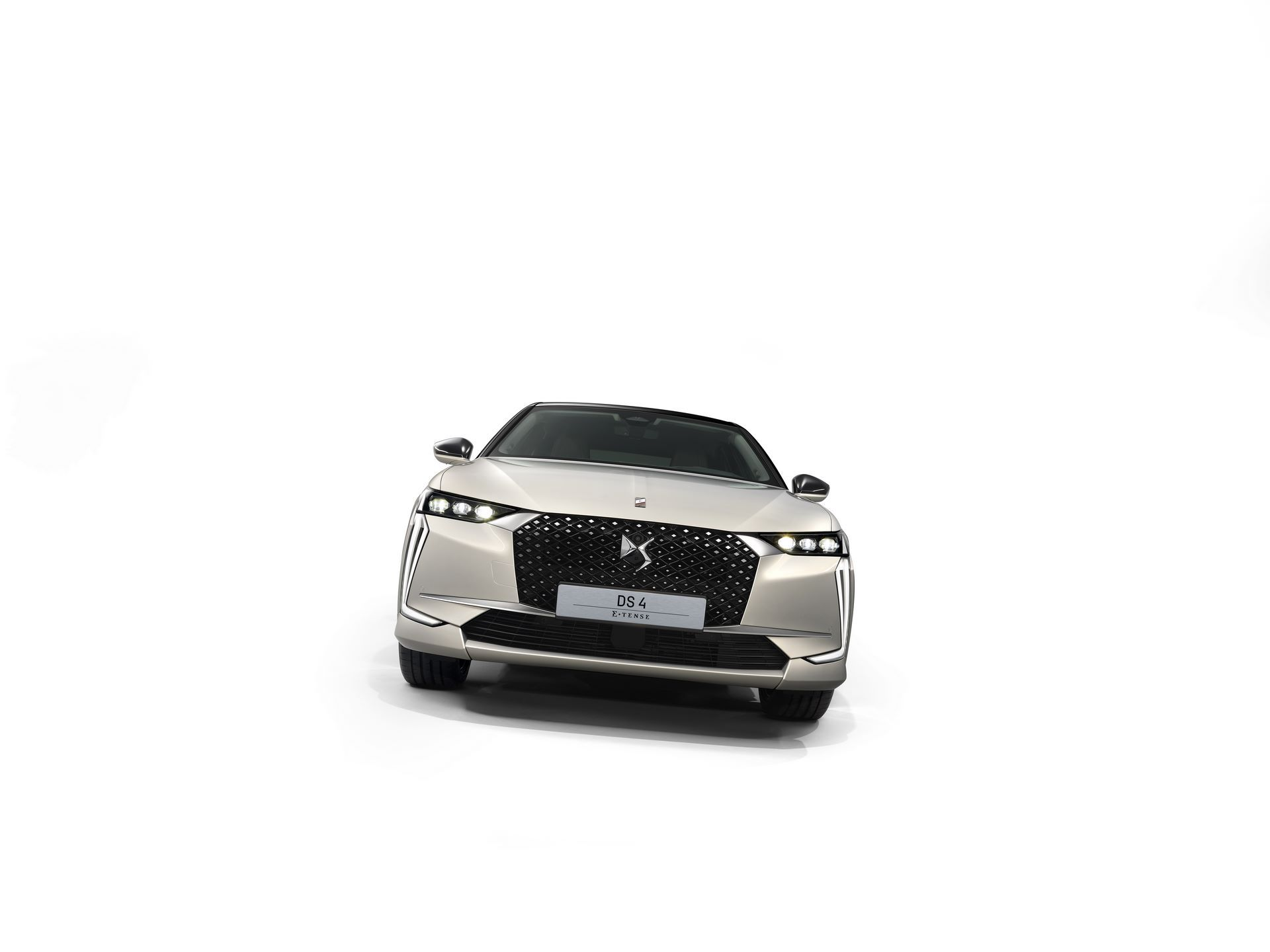DS4-and-DS4-Cross-2021-24