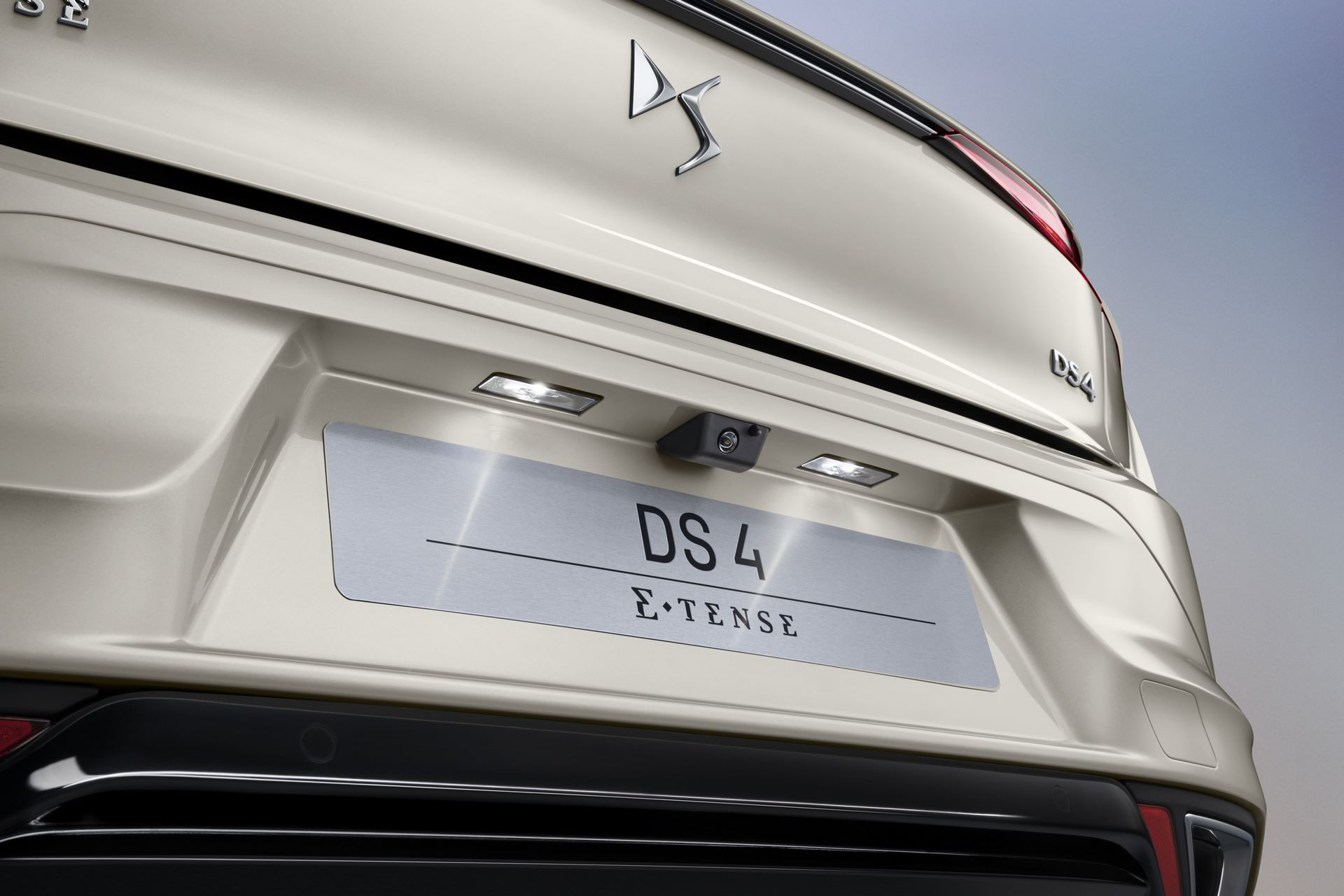DS4-and-DS4-Cross-2021-31