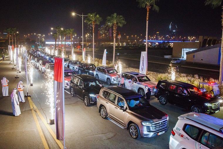 Dubai_Abu-Dhabi_police_Land_Cruiser-0001