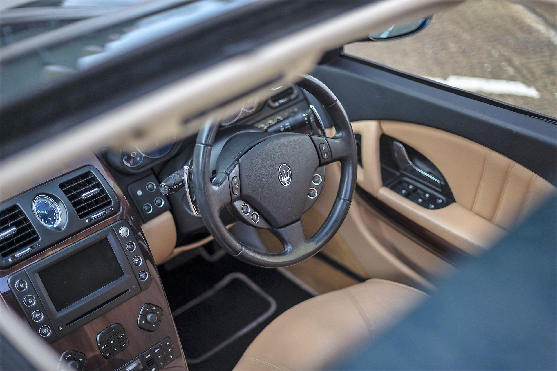 Elton-John-Maserati-Quattroporte-1