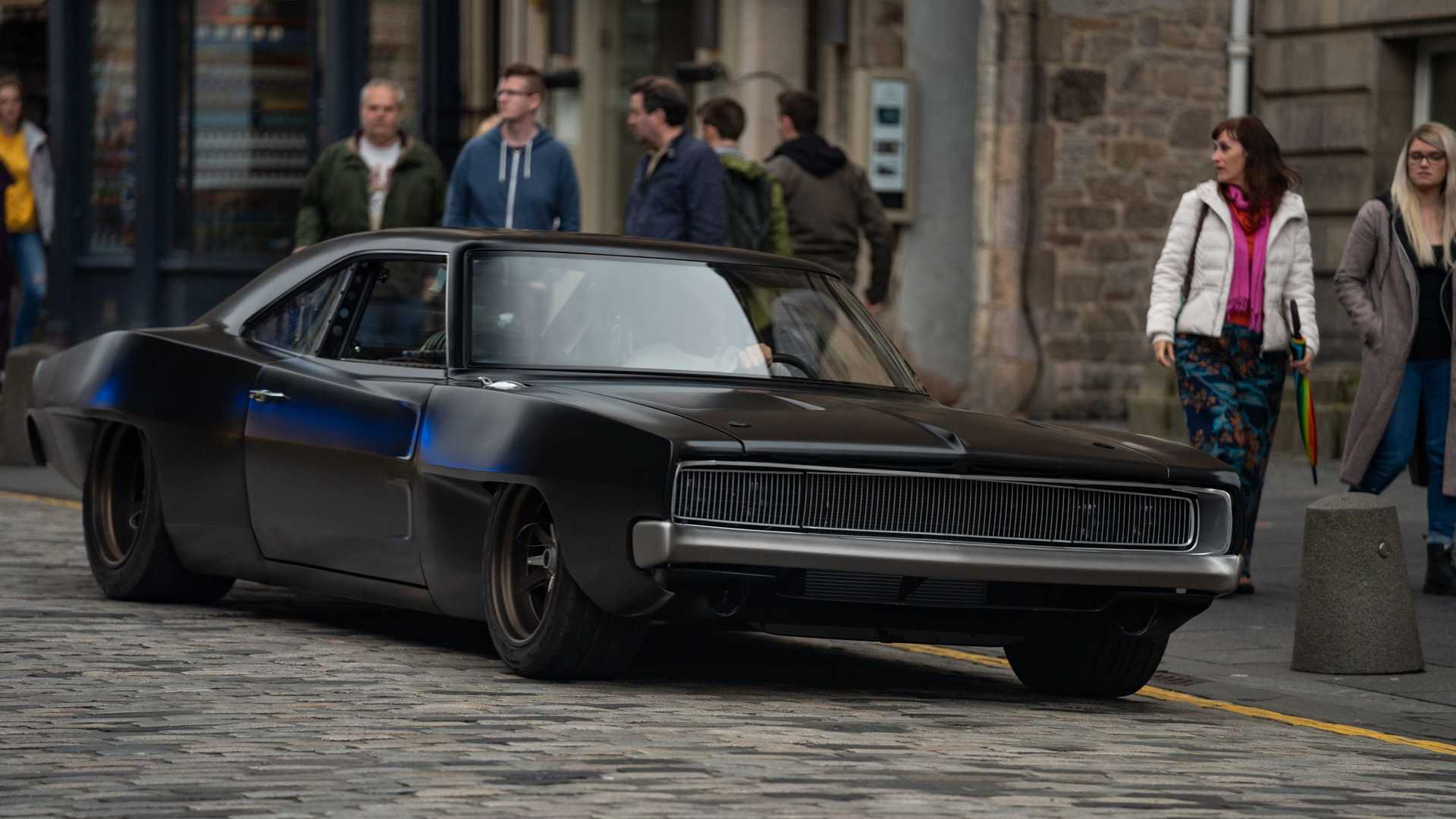 dom-s-mid-engine-1968-dodge-charger-close