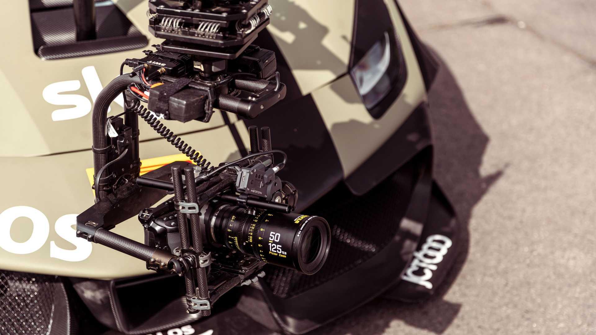 Ferrari-488-Challenge-Camera-Car-6