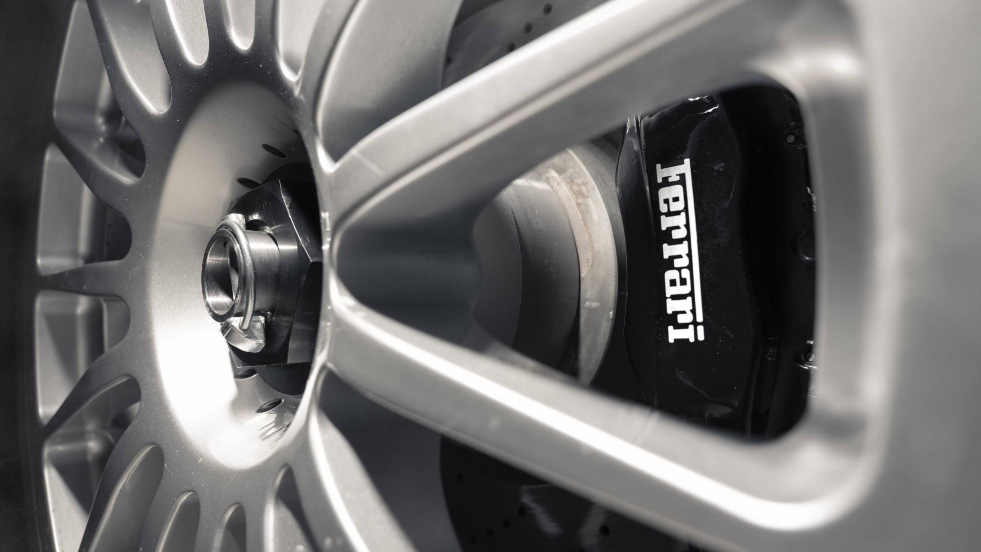 Ferrari_575_GTC_Stradale_0006