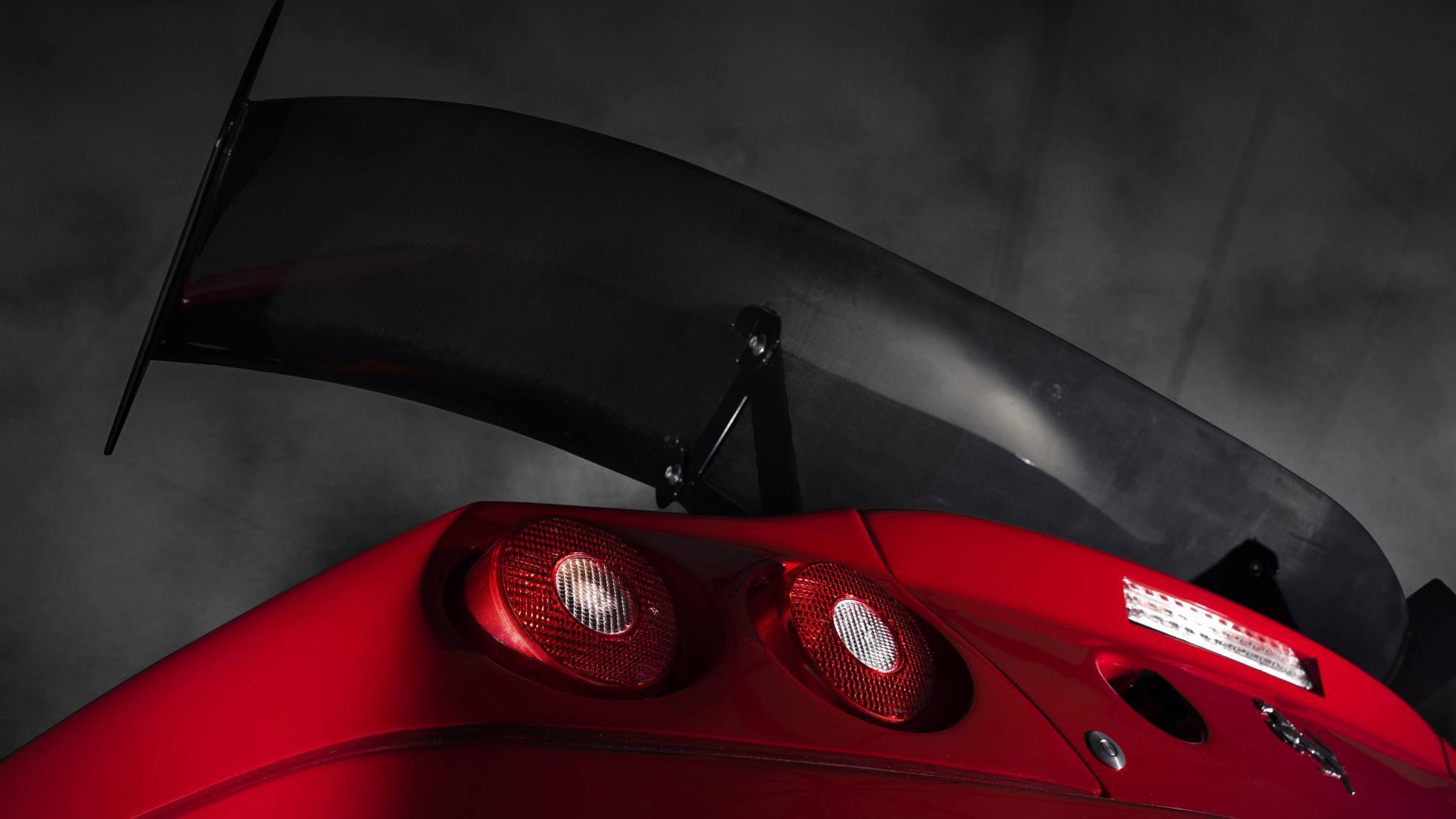 Ferrari_575_GTC_Stradale_0008