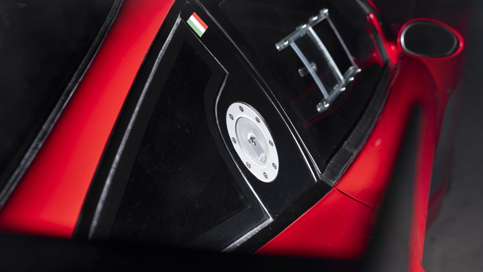 Ferrari_575_GTC_Stradale_0010