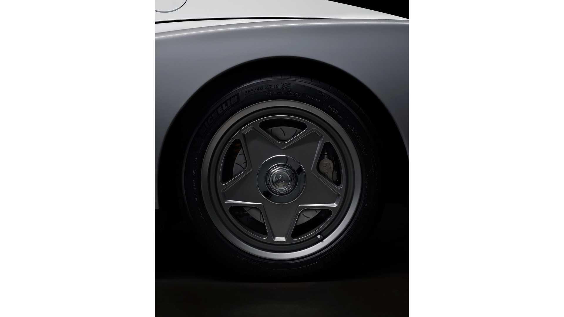 Ferrari-Testarossa-restomod-Officine-Fioravanti-11