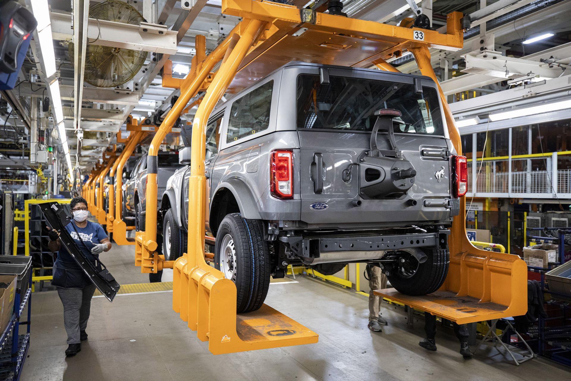 Ford-Bronco-plant-10