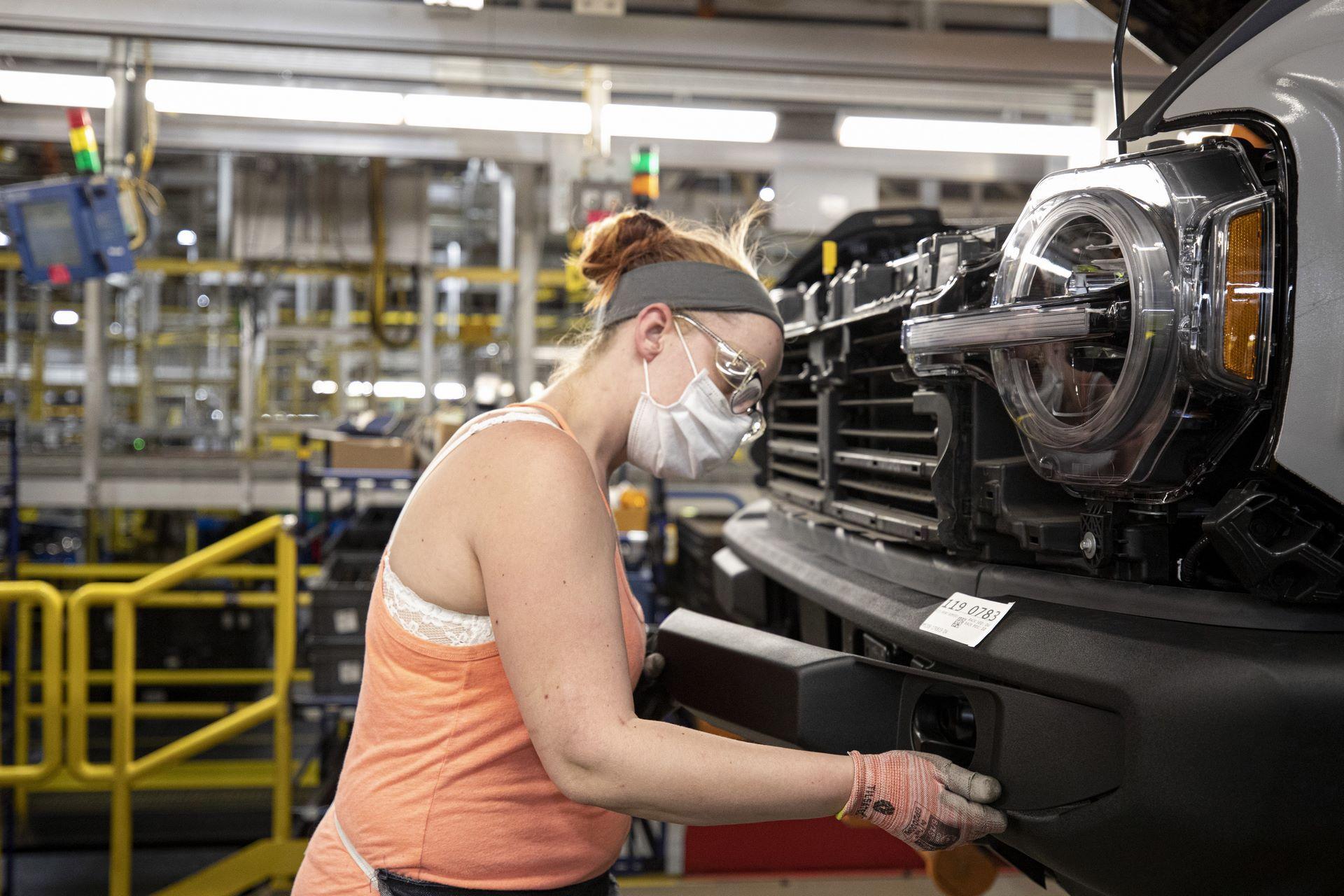 Ford-Bronco-plant-11