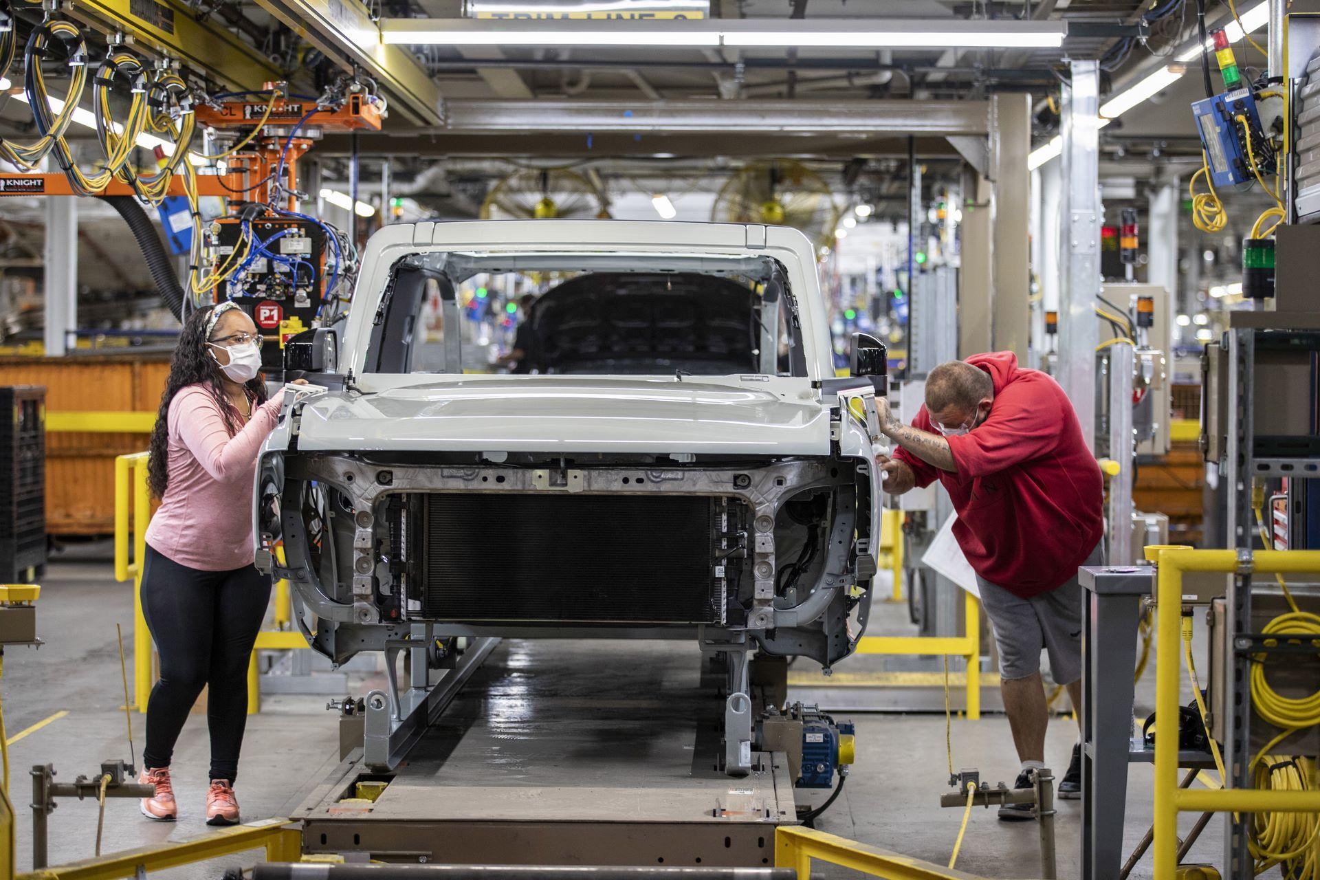Ford-Bronco-plant-13