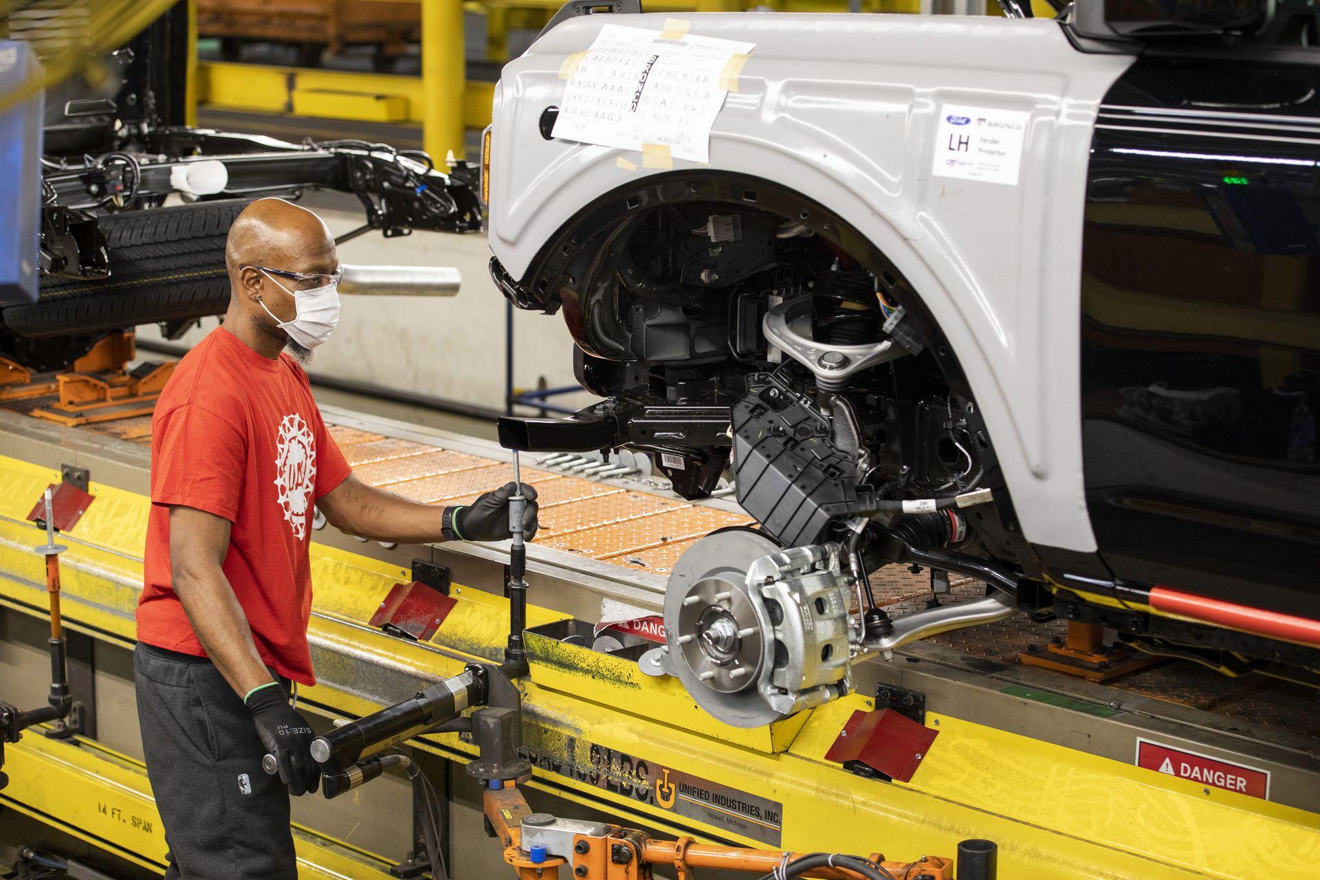 Ford-Bronco-plant-16