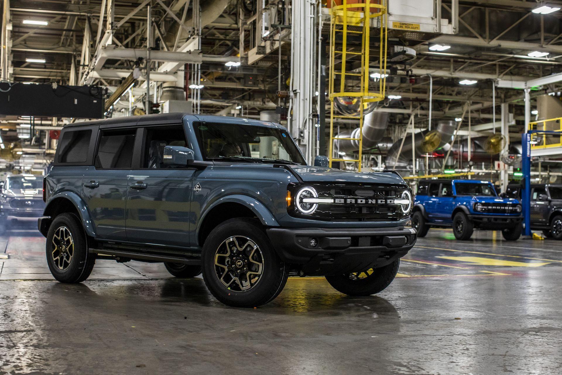 Ford-Bronco-plant-19