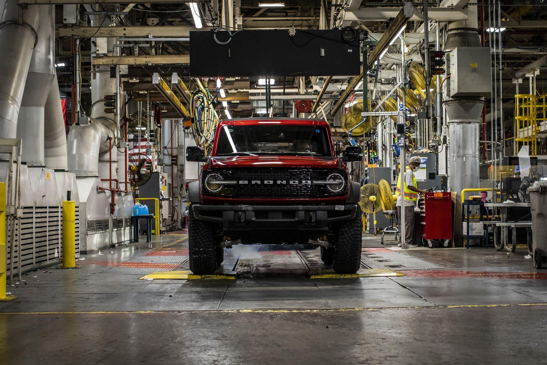 Ford-Bronco-plant-20