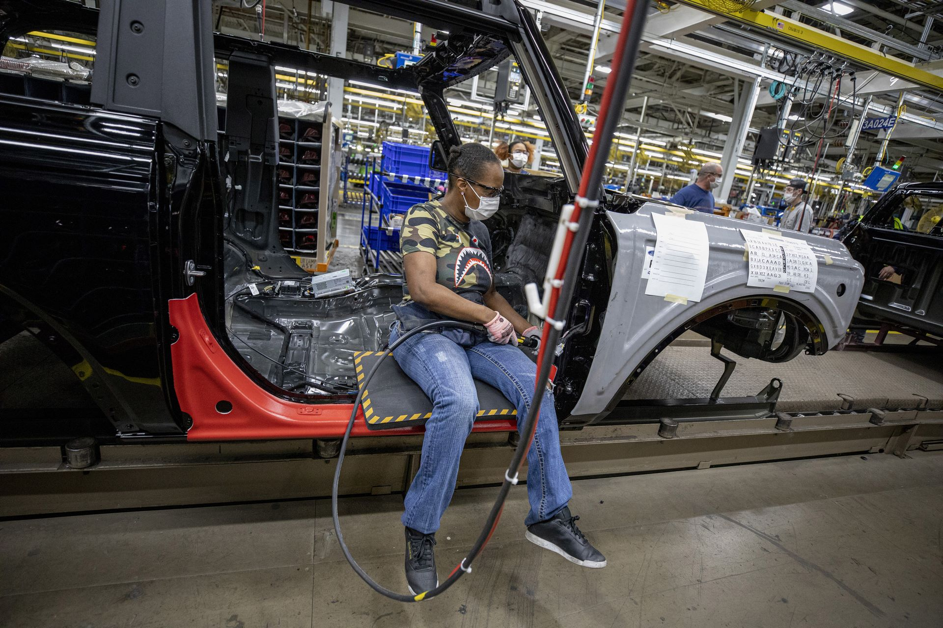 Ford-Bronco-plant-4
