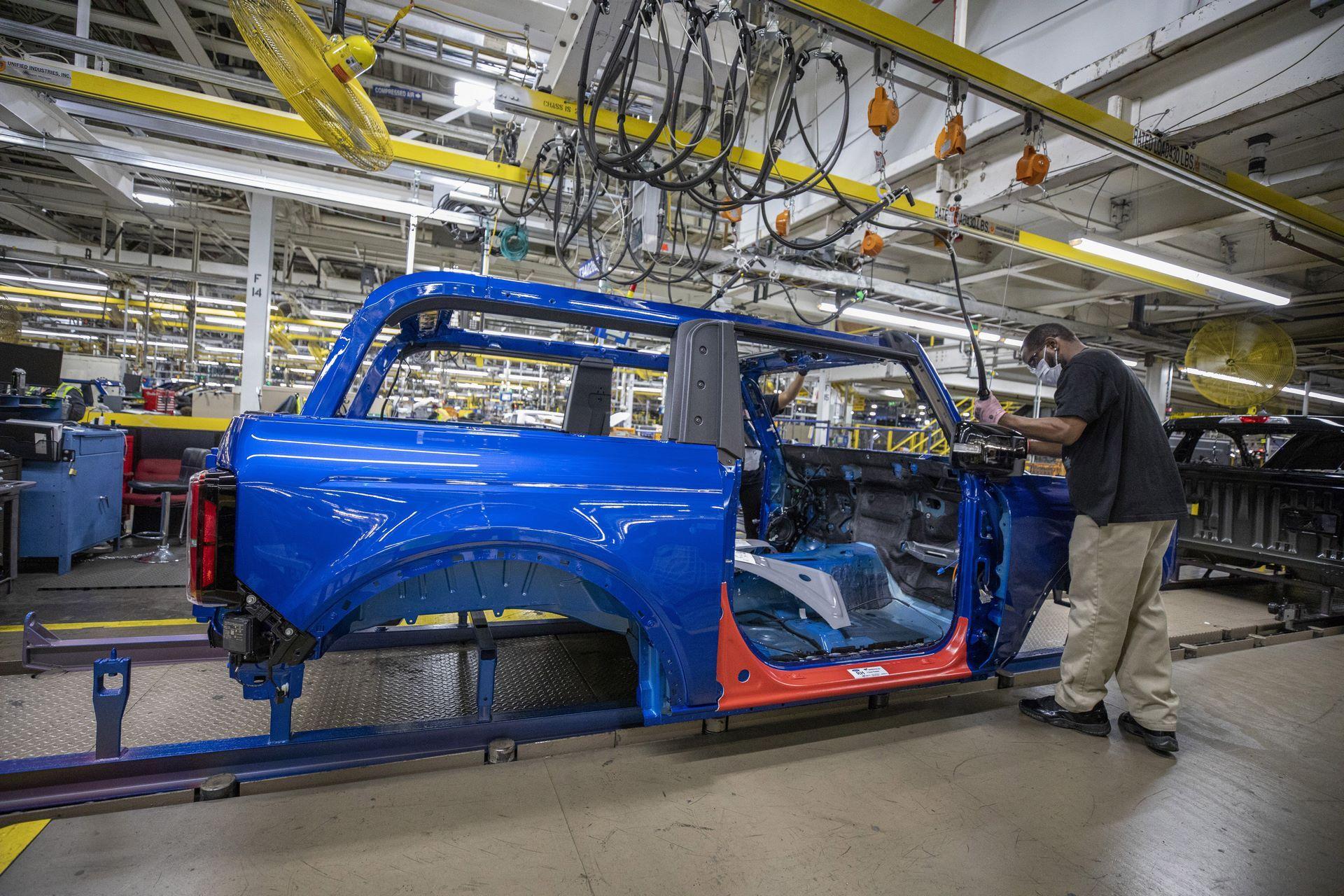 Ford-Bronco-plant-5