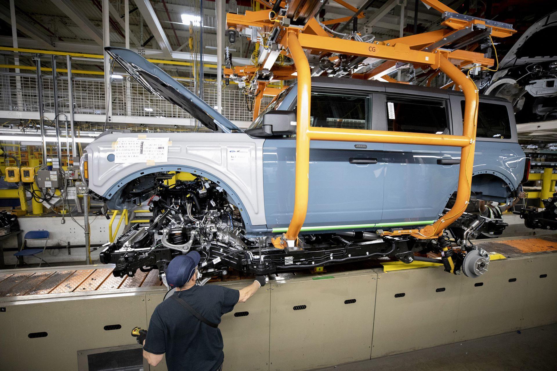 Ford-Bronco-plant-8
