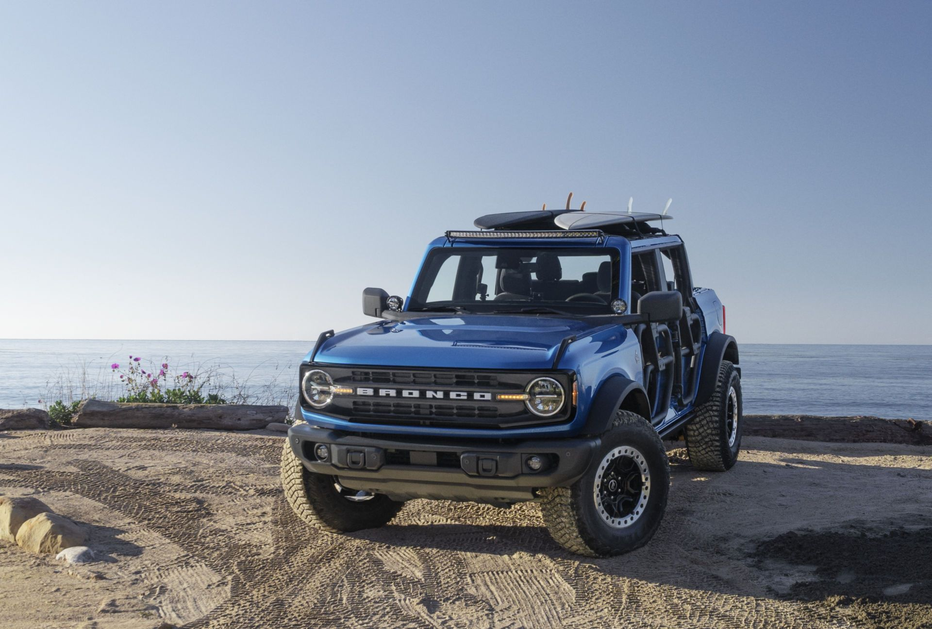 Ford-Bronco-Riptide-Project-Vehicle-1
