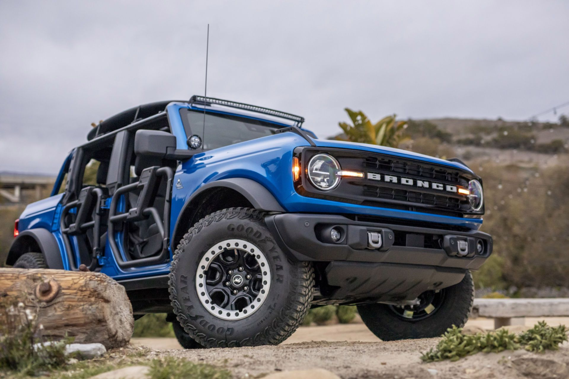 Ford-Bronco-Riptide-Project-Vehicle-2