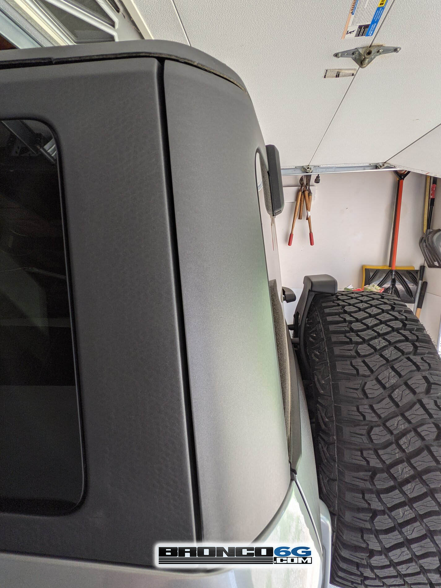 Ford-Bronco-roof-problems-2