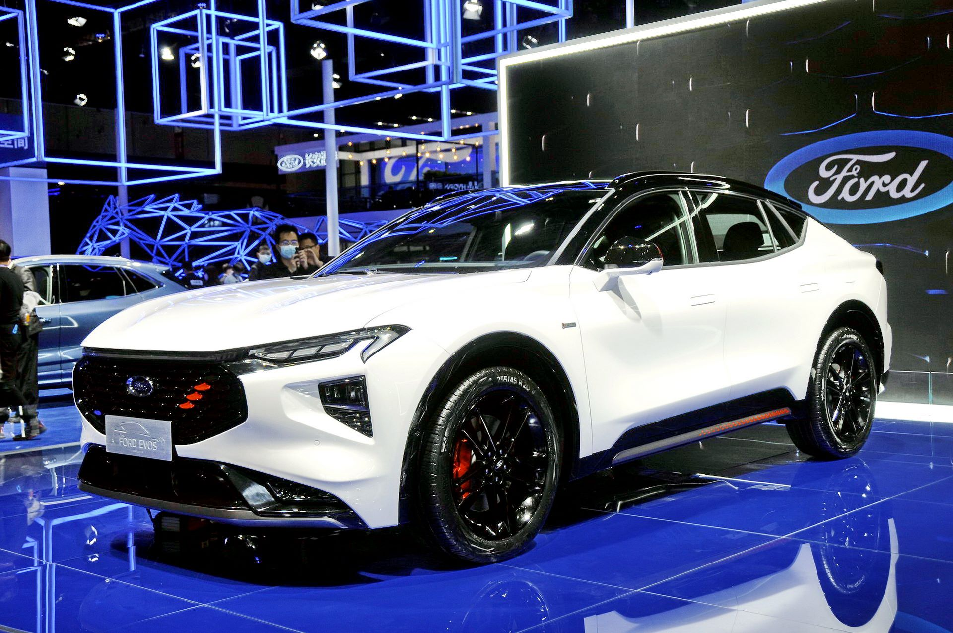 Ford-Evos-2021-12